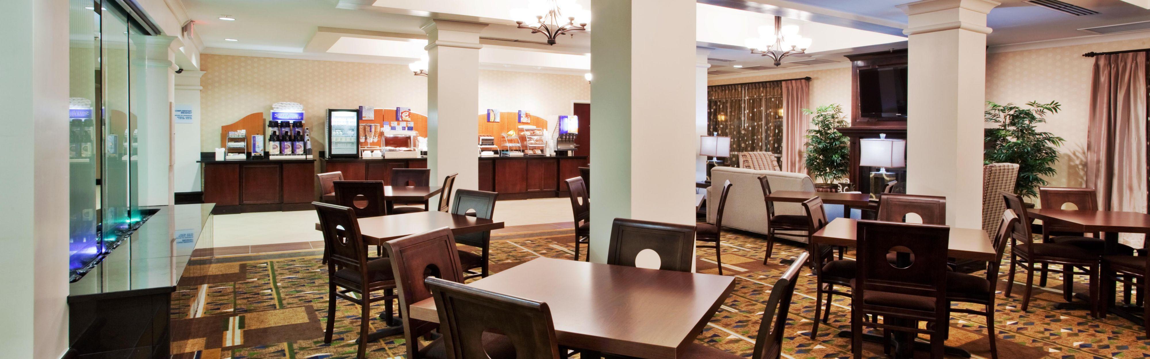 Holiday Inn Express & Suites Columbus-Fort Benning image 3