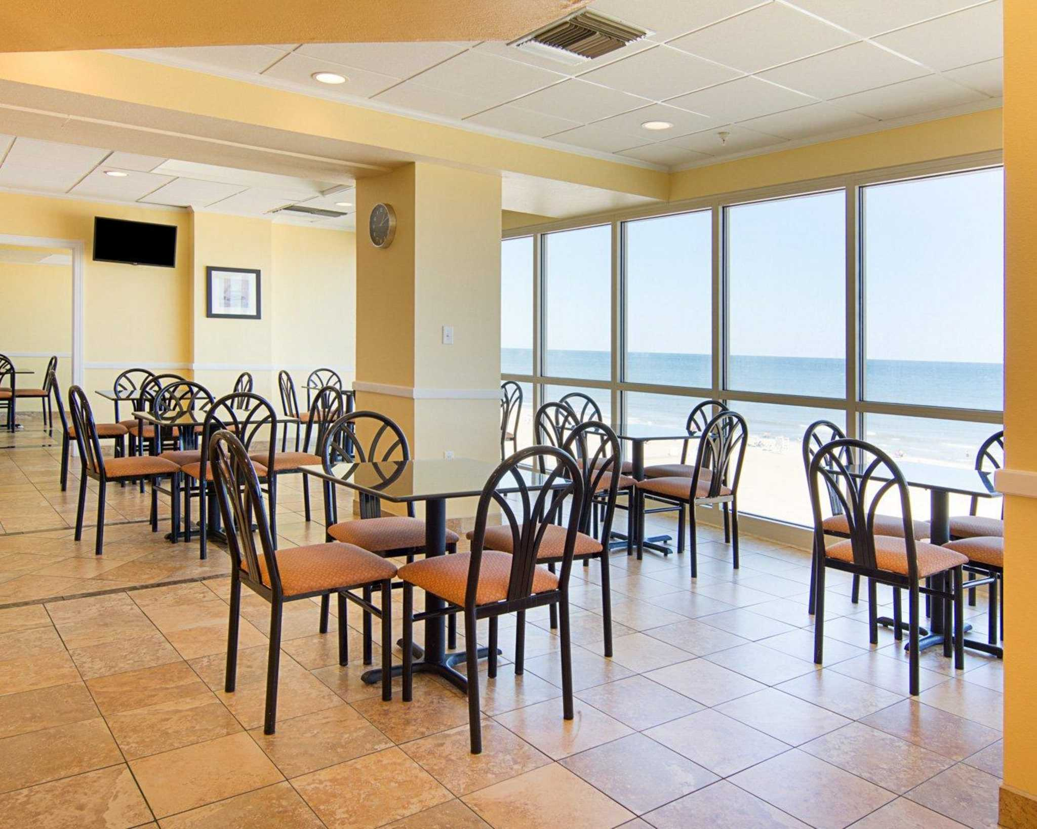 Comfort Suites Beachfront image 15
