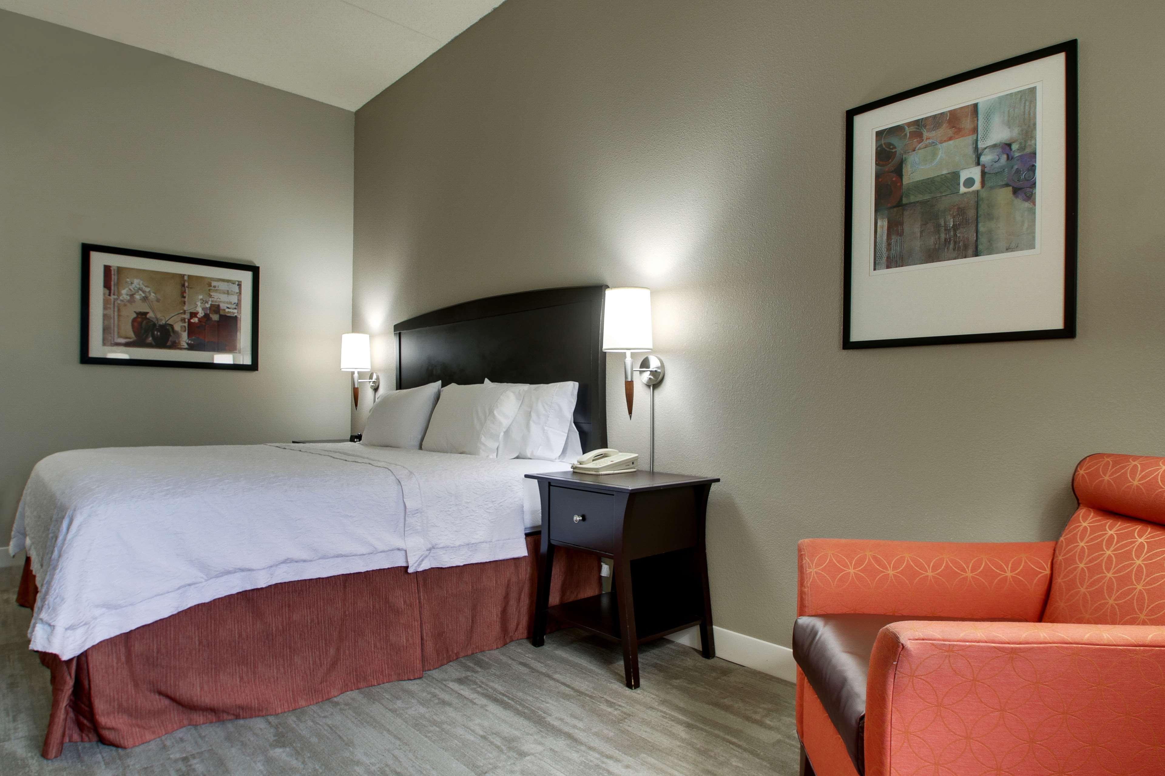 Hampton Inn & Suites Spartanburg-I-26-Westgate Mall image 31