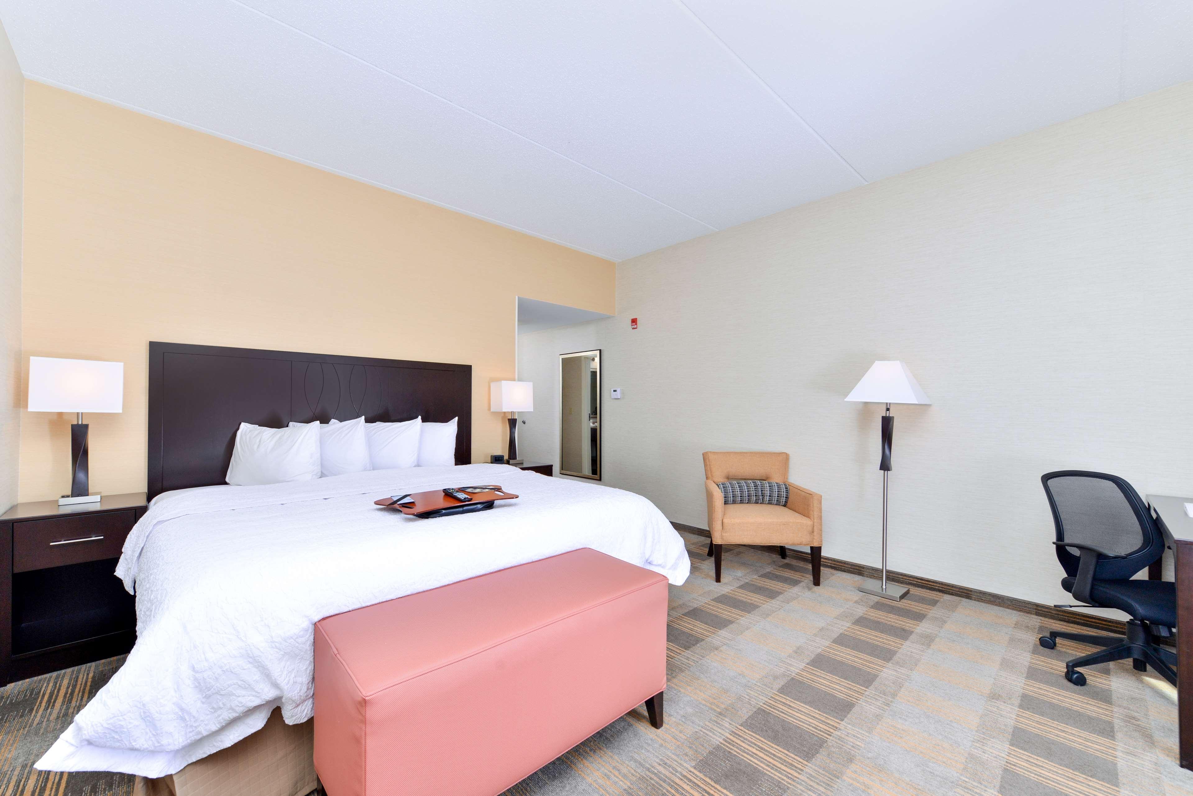 Hampton Inn & Suites California University-Pittsburgh image 13