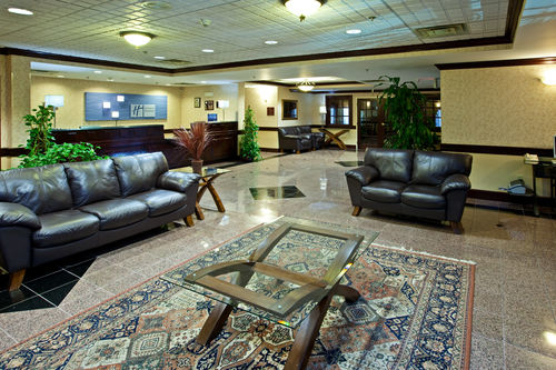 Holiday Inn Express & Suites Cincinnati Northeast-Milford image 1