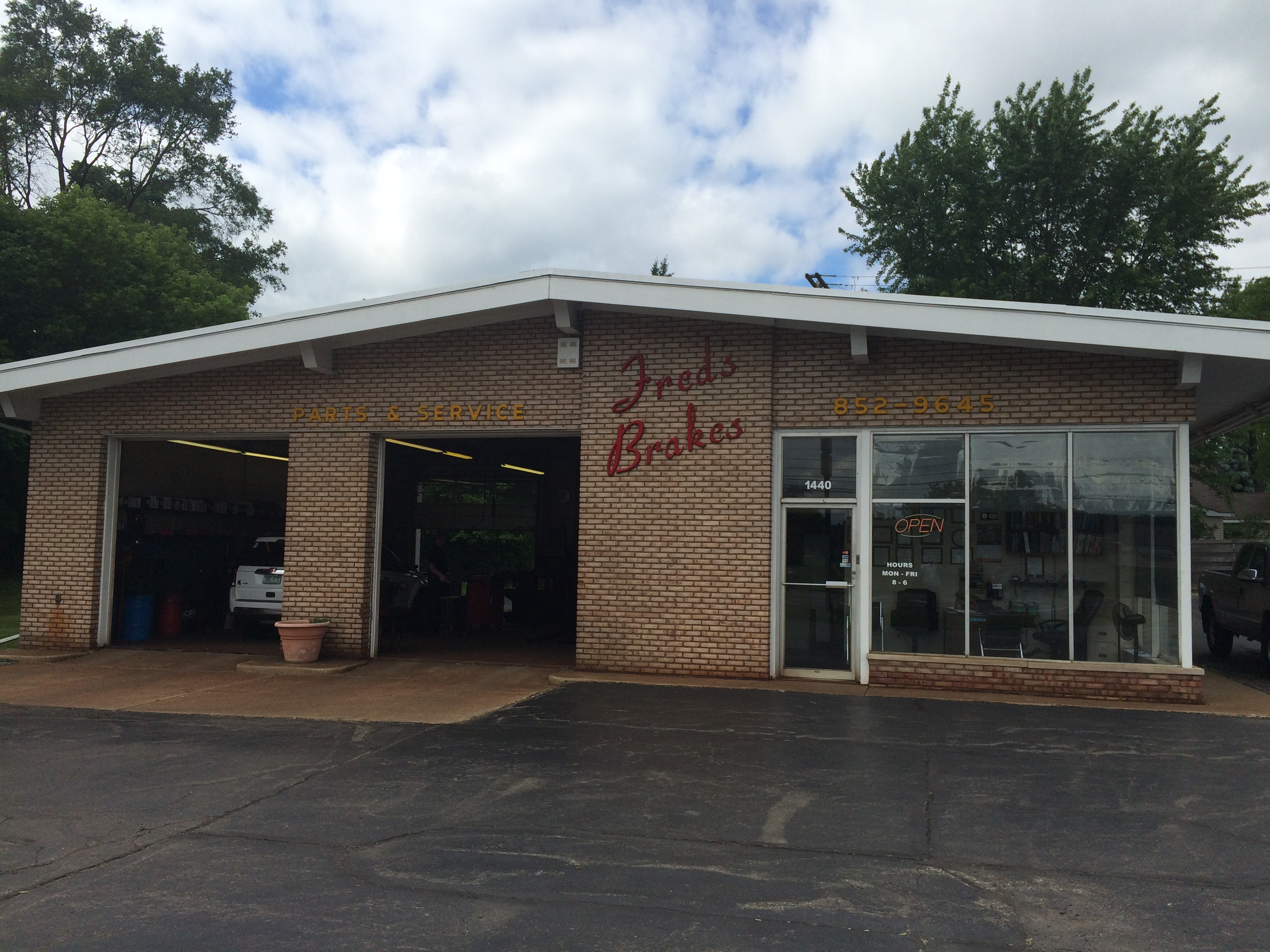 Fred's Brakes Parts & Service image 0