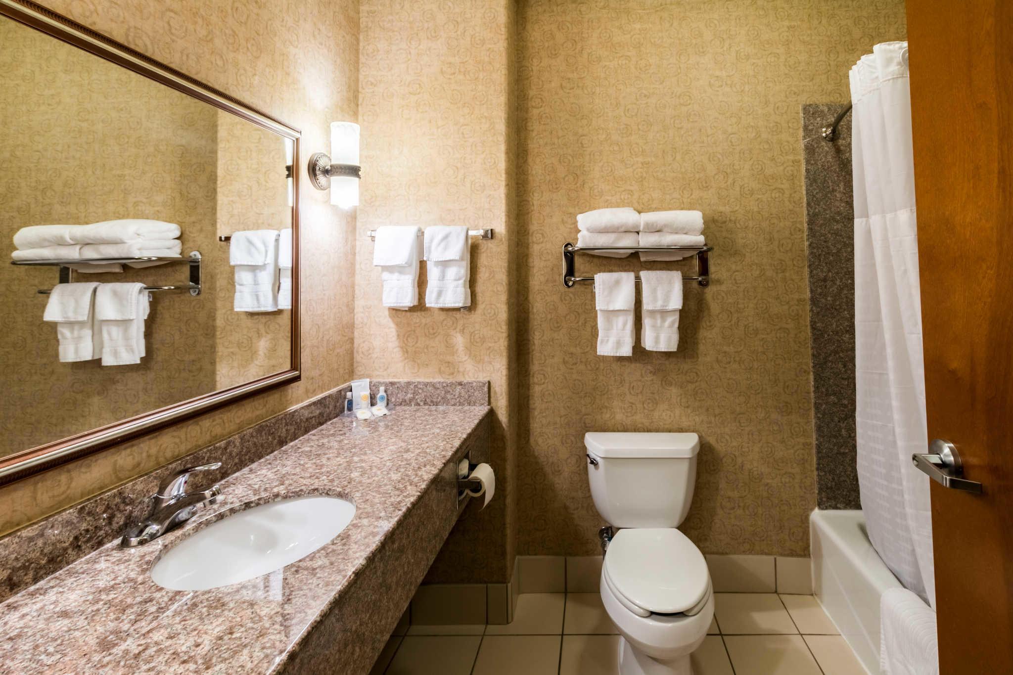 Comfort Inn & Suites near Comanche Peak image 24