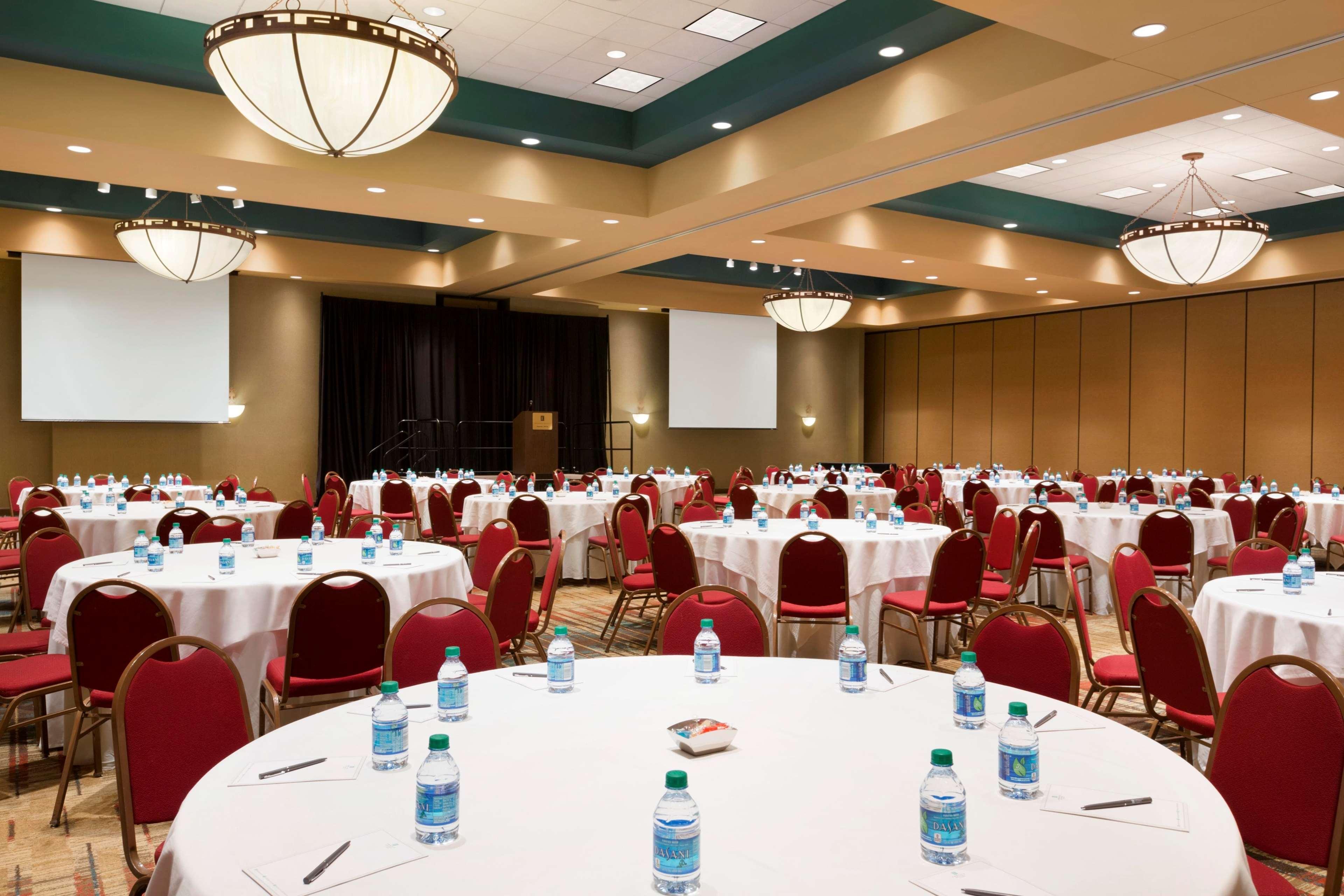 Embassy Suites by Hilton Albuquerque Hotel & Spa image 39