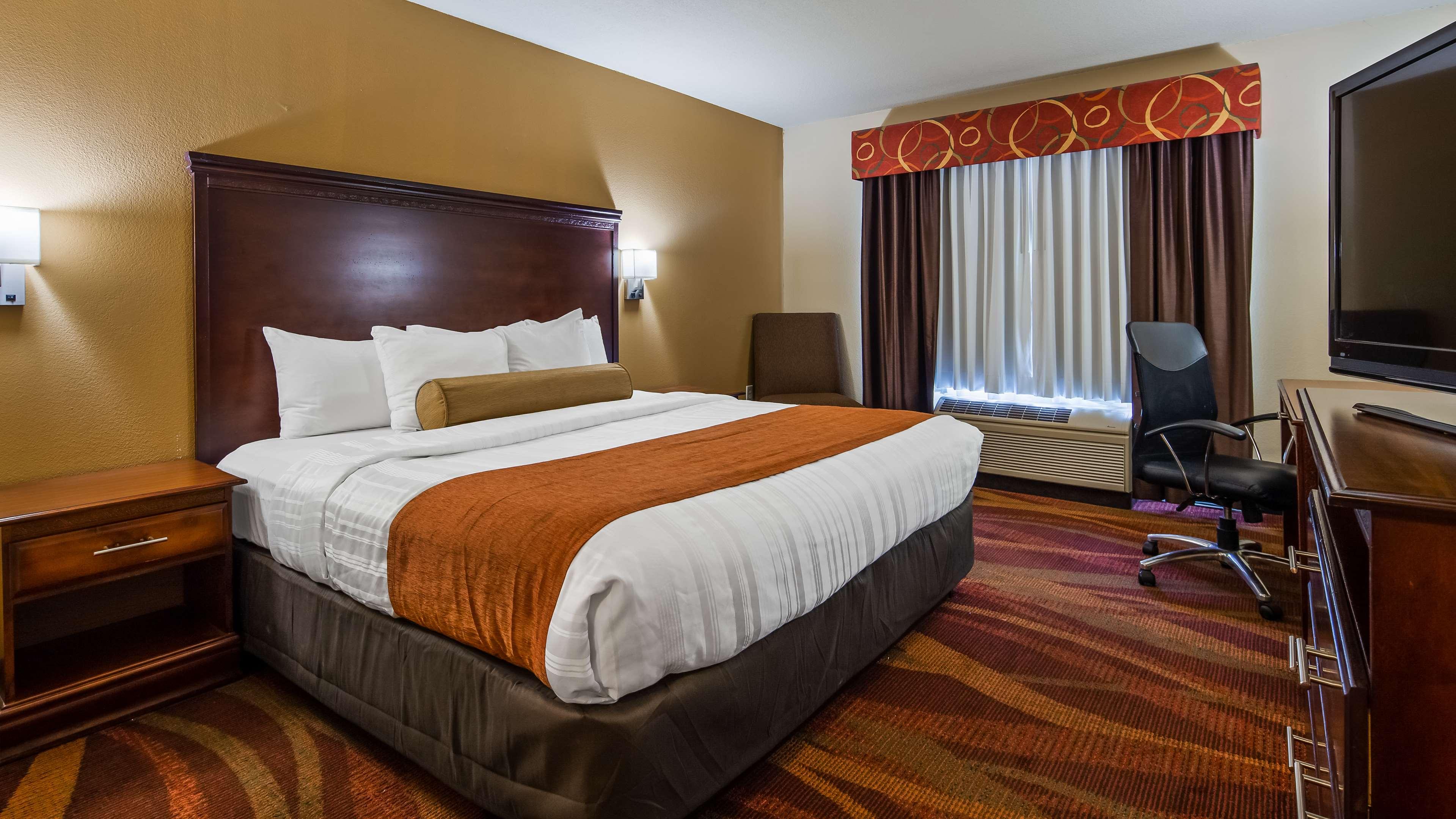 Best Western Plus Fort Wayne Inn & Suites North image 5