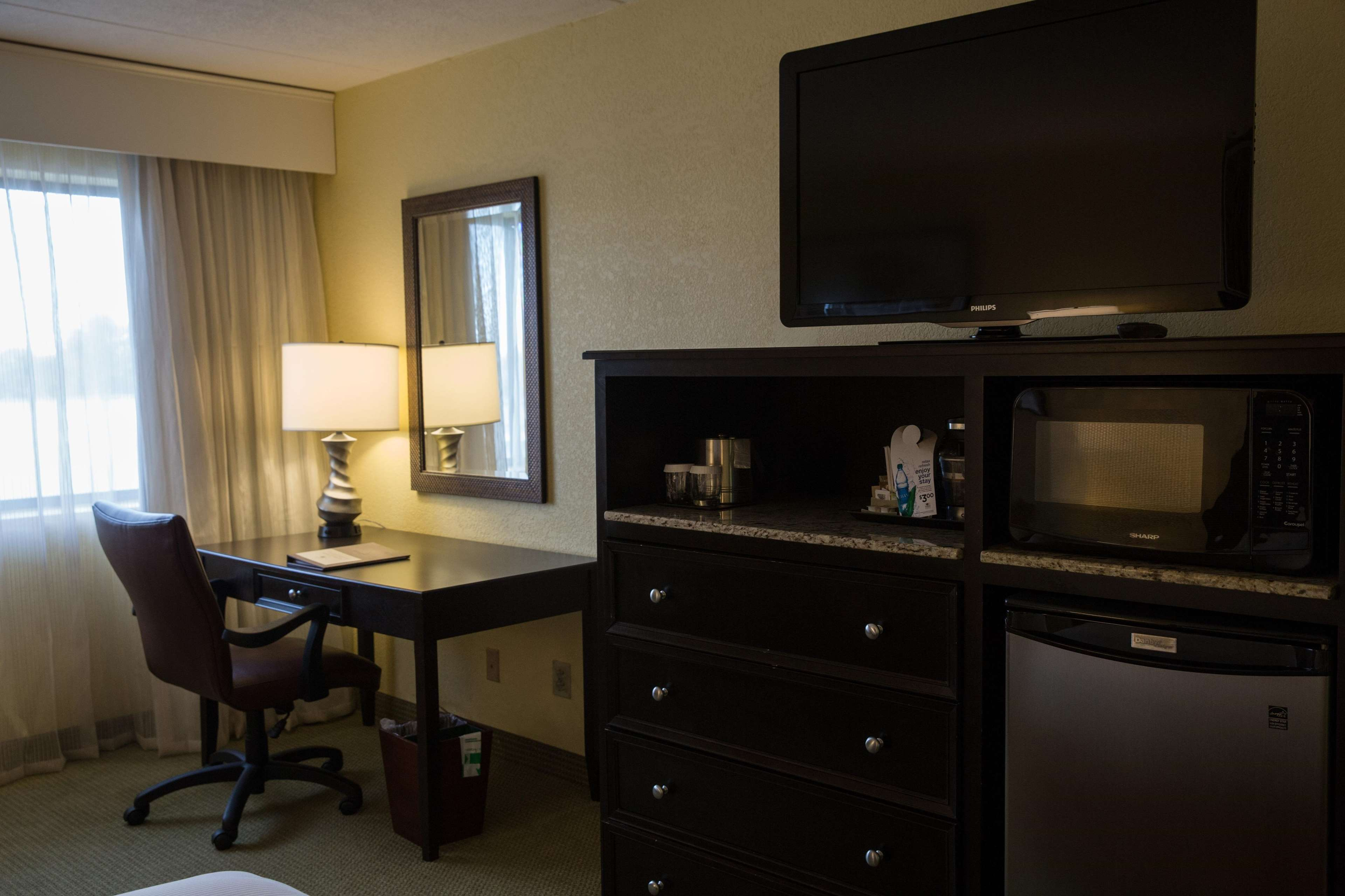 DoubleTree by Hilton Hotel Cocoa Beach Oceanfront image 43