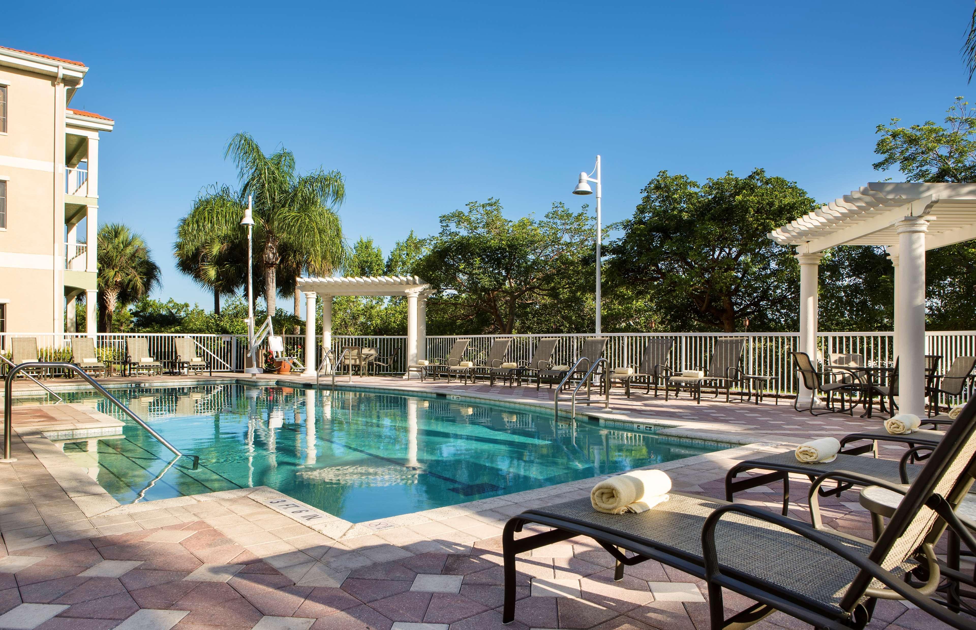 DoubleTree Suites by Hilton Hotel Naples image 13