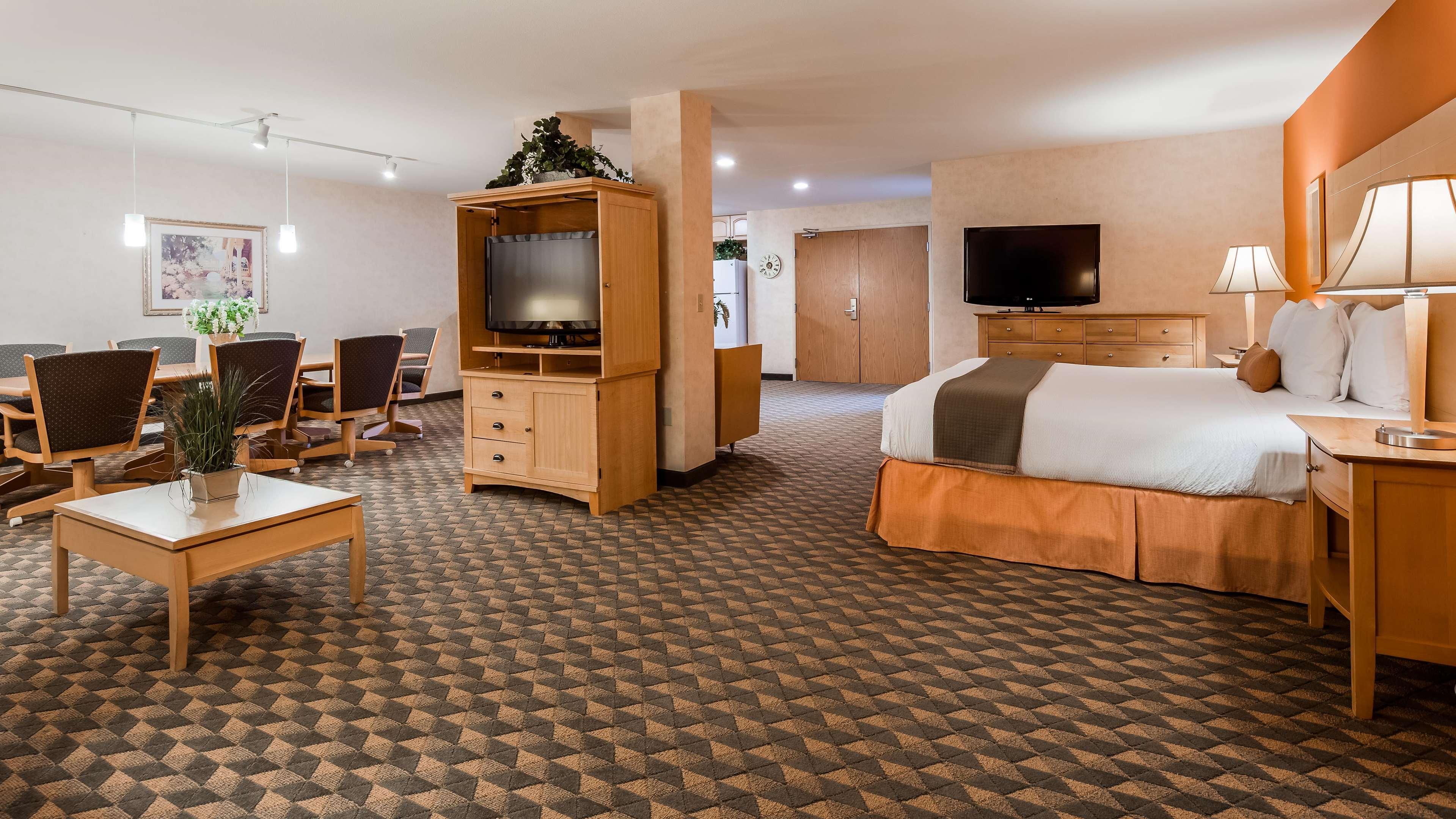 Best Western Plus North Las Vegas Inn & Suites image 15