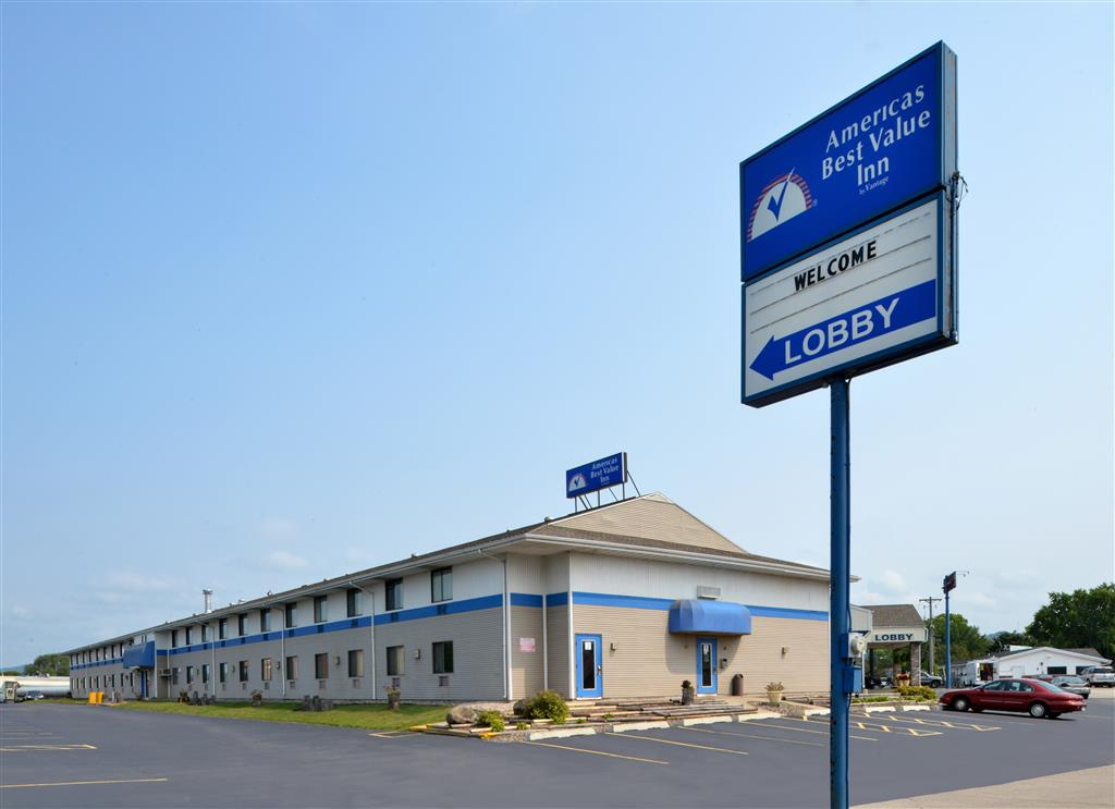 Americas Best Value Inn La Crosse image 2