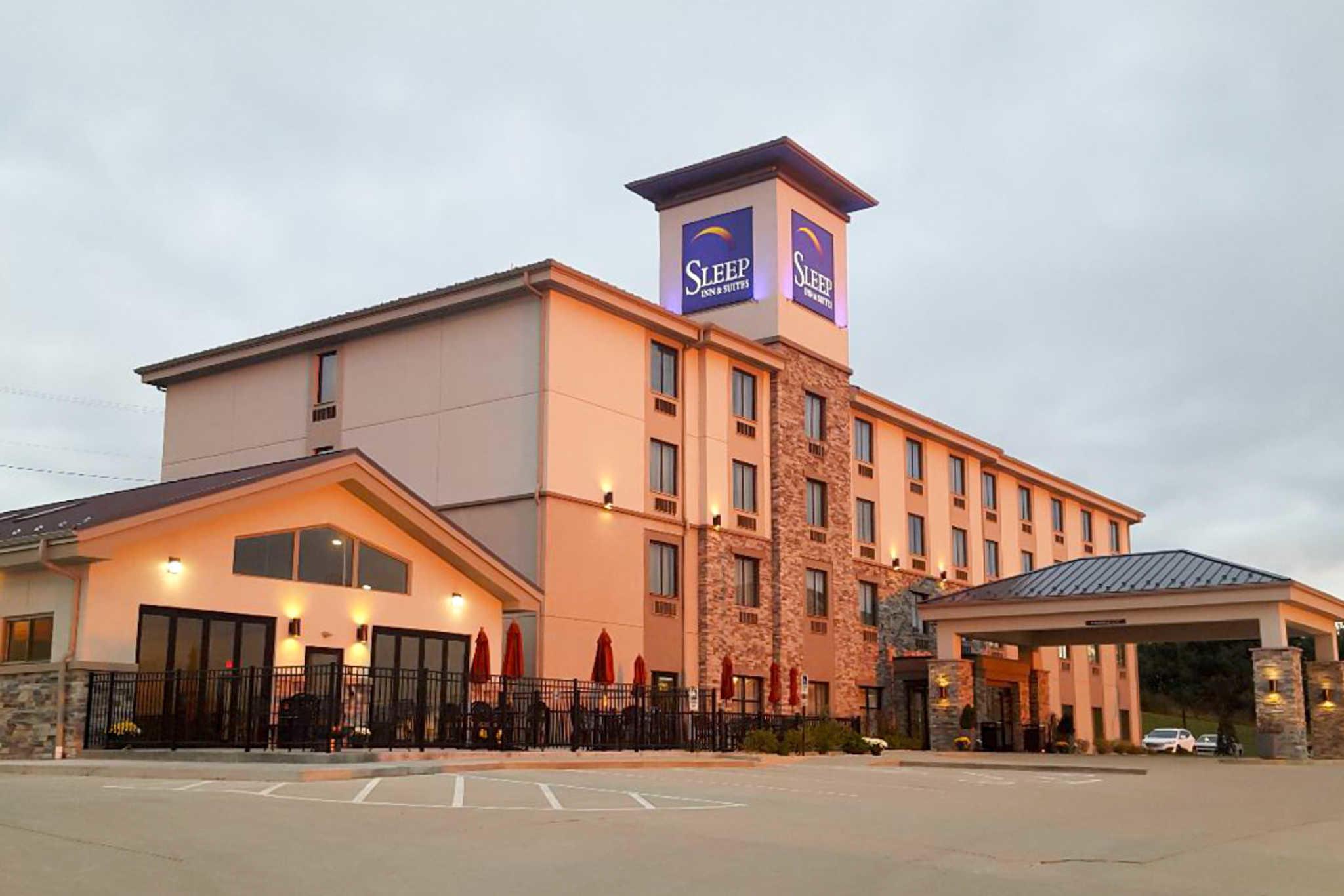 Sleep Inn & Suites Belmont / St. Clairsville image 0