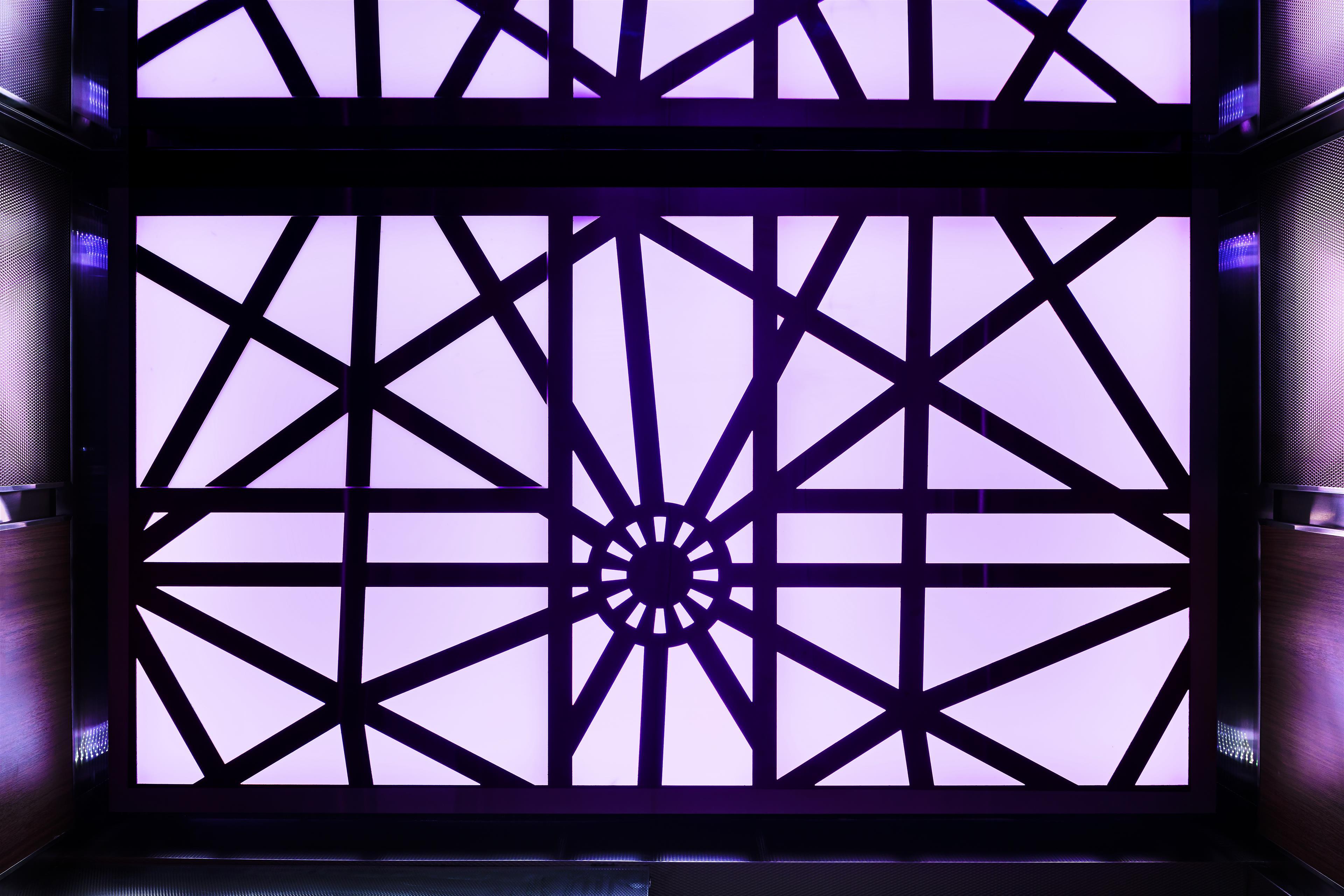 Le Méridien Versailles à Montreal: Elevator