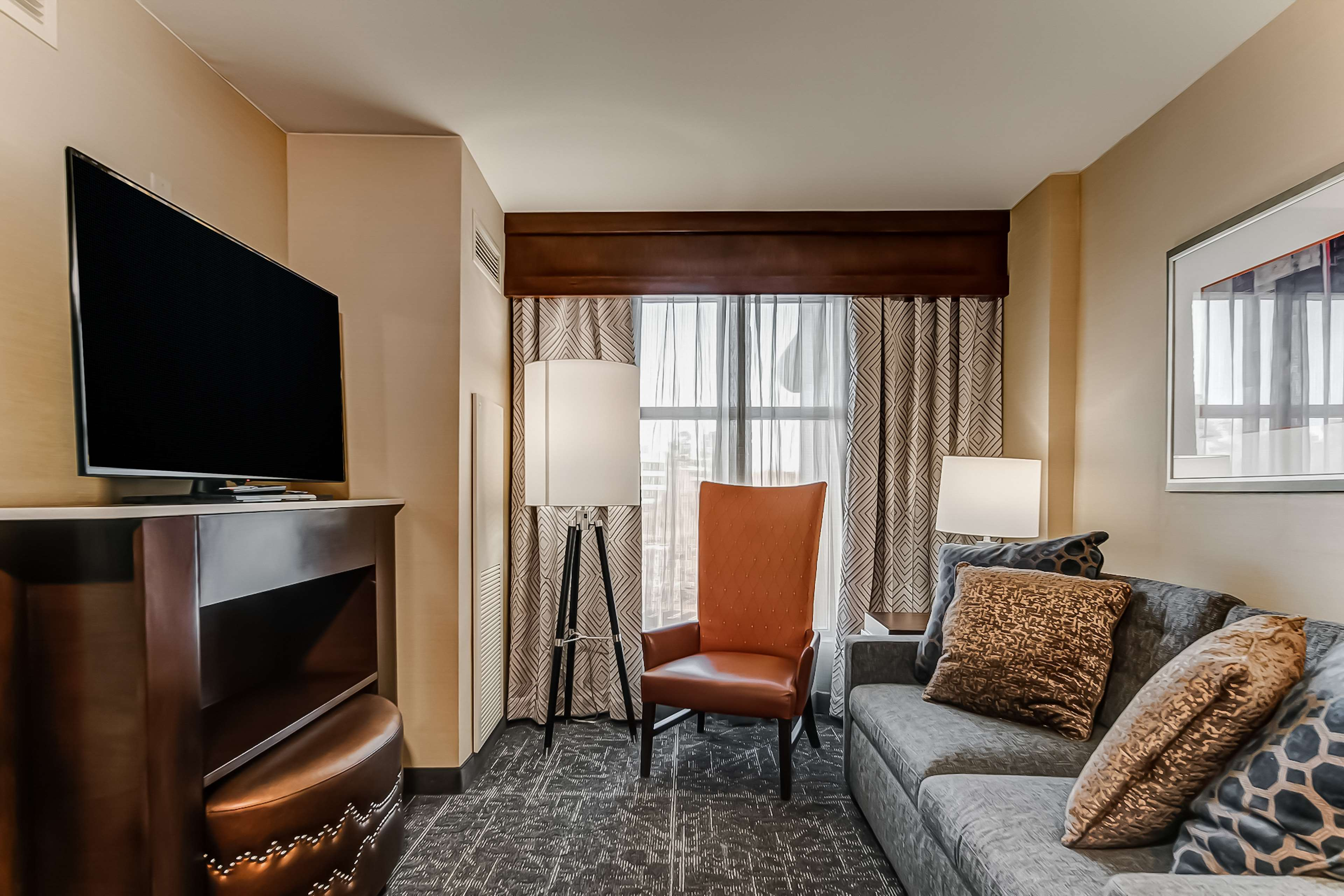 Embassy Suites by Hilton Atlanta Kennesaw Town Center