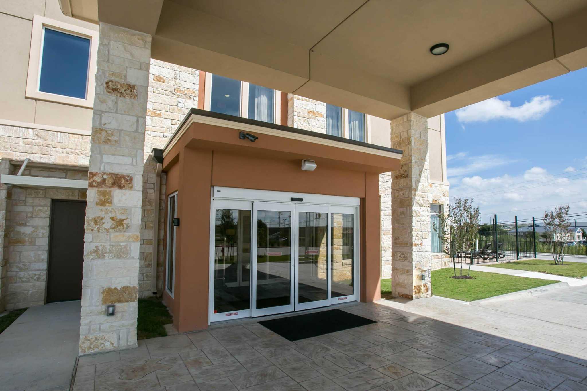 Sleep Inn & Suites Austin - Northeast image 3