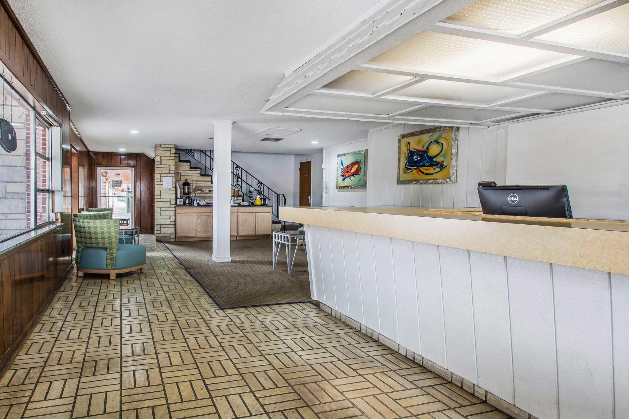 rodeway inn u0026 suites 1911 cypress gardens blvd winter haven fl