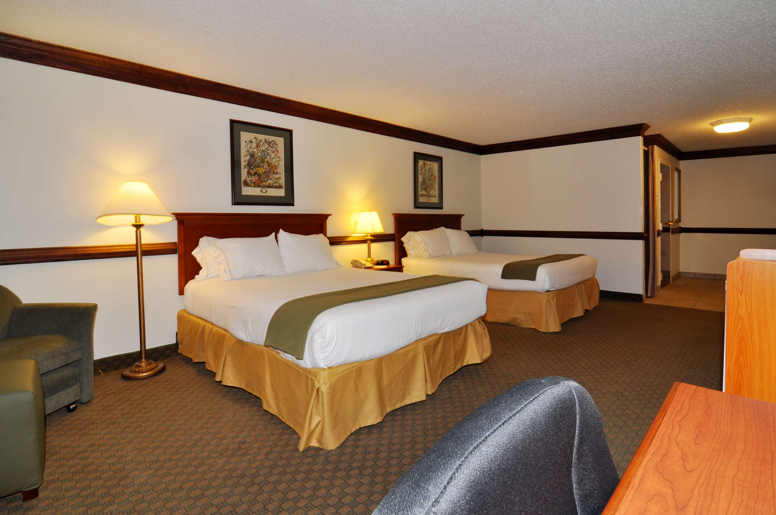 Best Western Plus South Hill Inn image 14