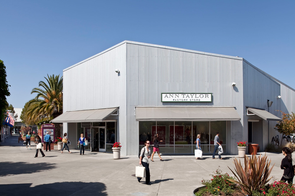Find Nike Outlet at Petaluma Blvd N Petaluma California, get store hours, location, phone number and official website.