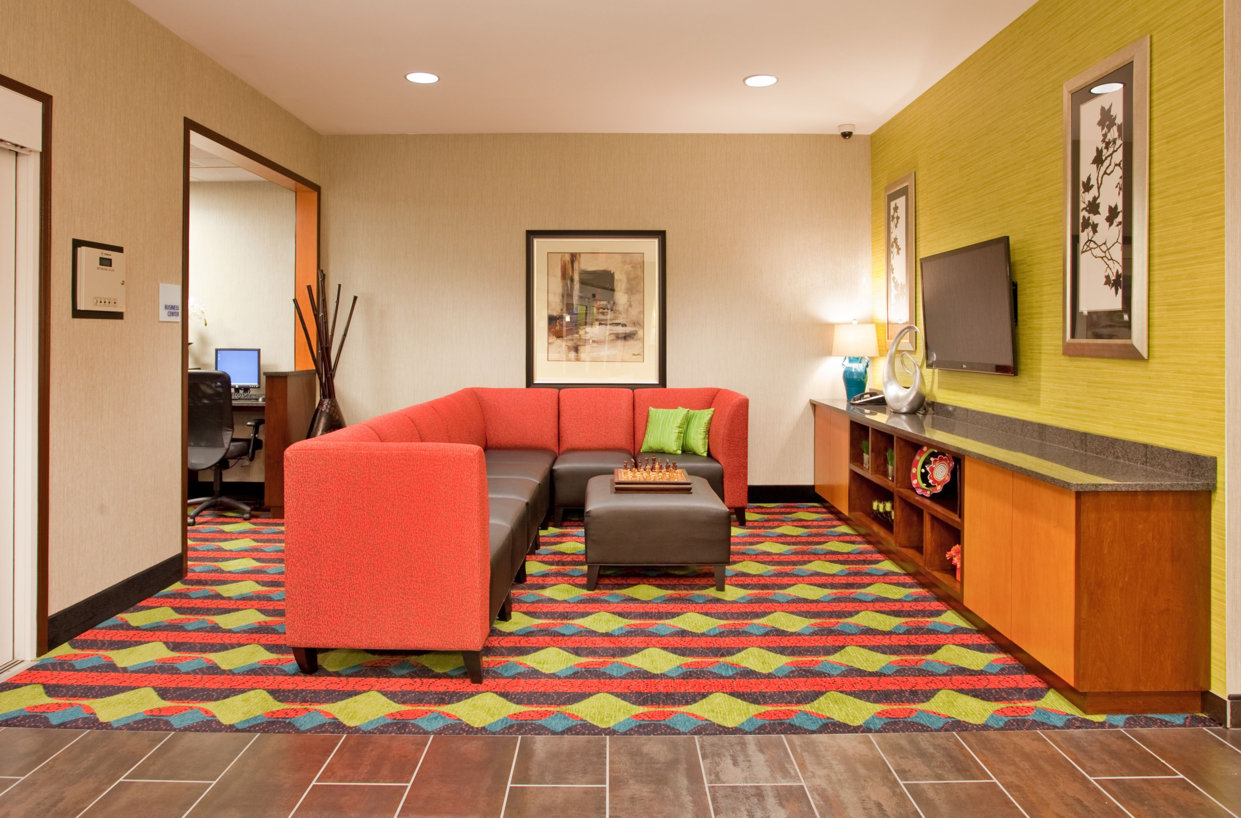 Holiday Inn Express Kearney image 6