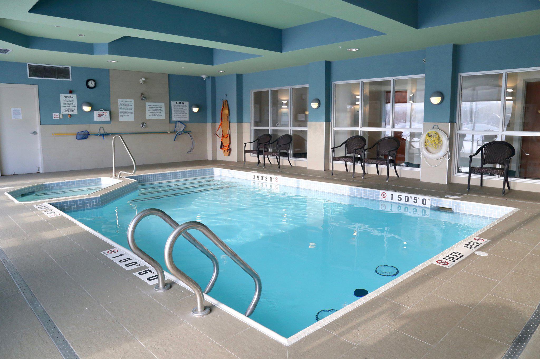 Holiday Inn Express & Suites Brampton