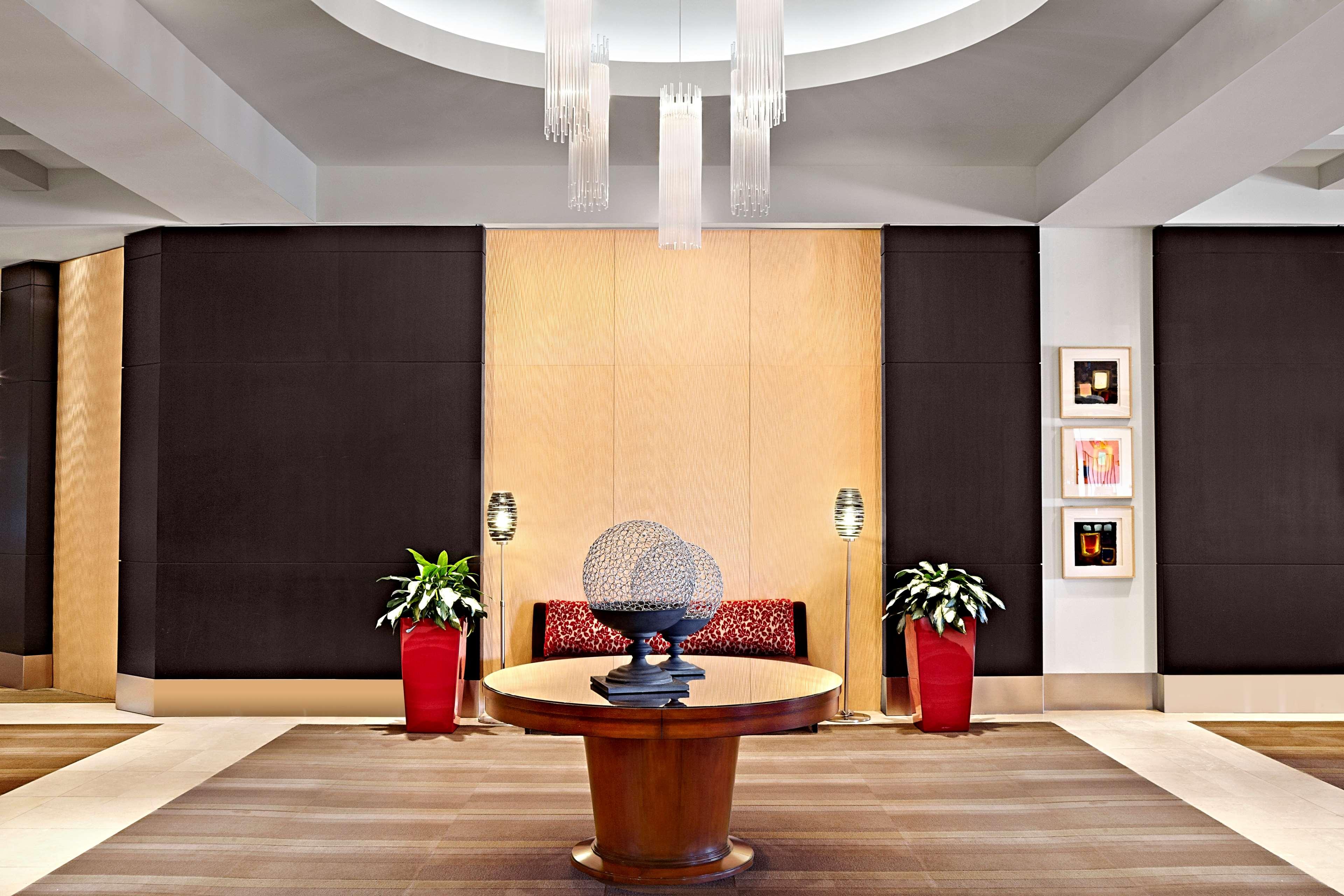 Sheraton Cavalier Calgary Hotel in Calgary: Lobby