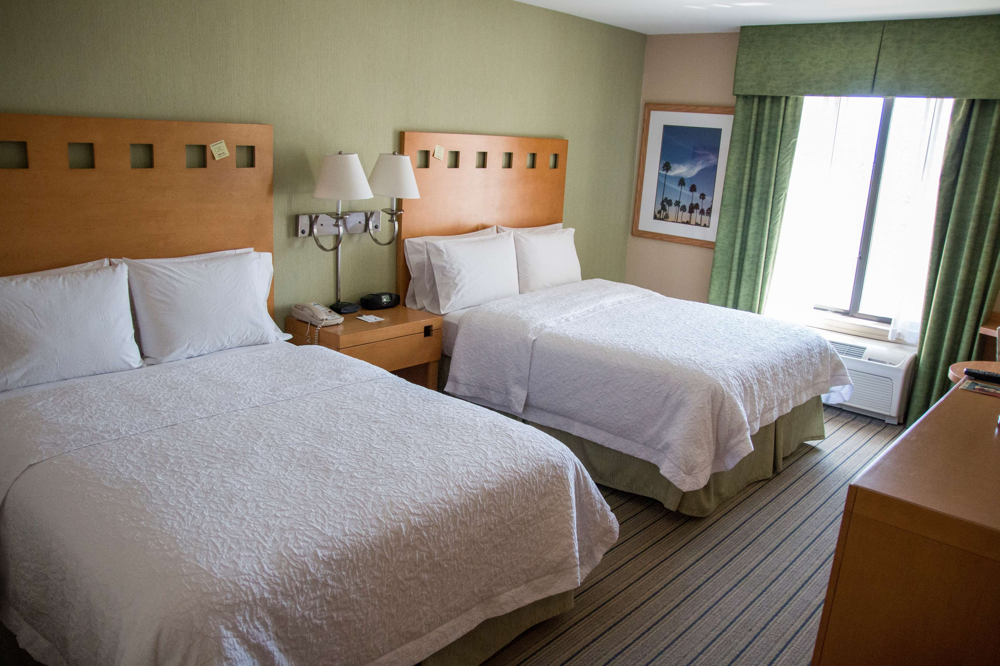 Hampton Inn & Suites Madera image 17