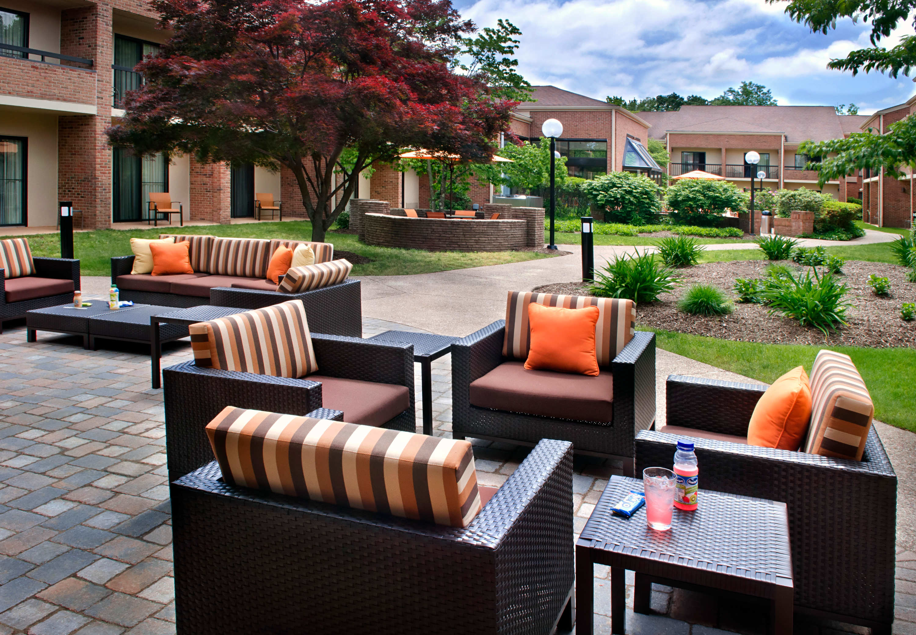 courtyard by marriott hartford windsor windsor ct company page. Black Bedroom Furniture Sets. Home Design Ideas