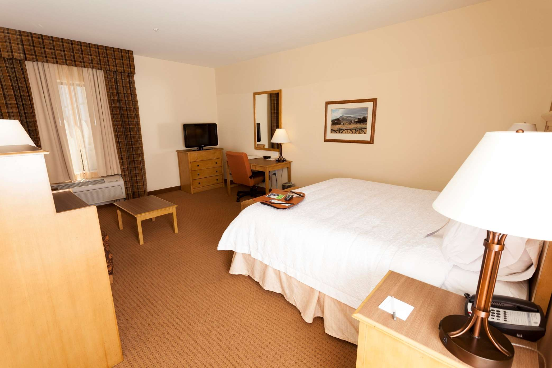 Hampton Inn & Suites Riverton image 2