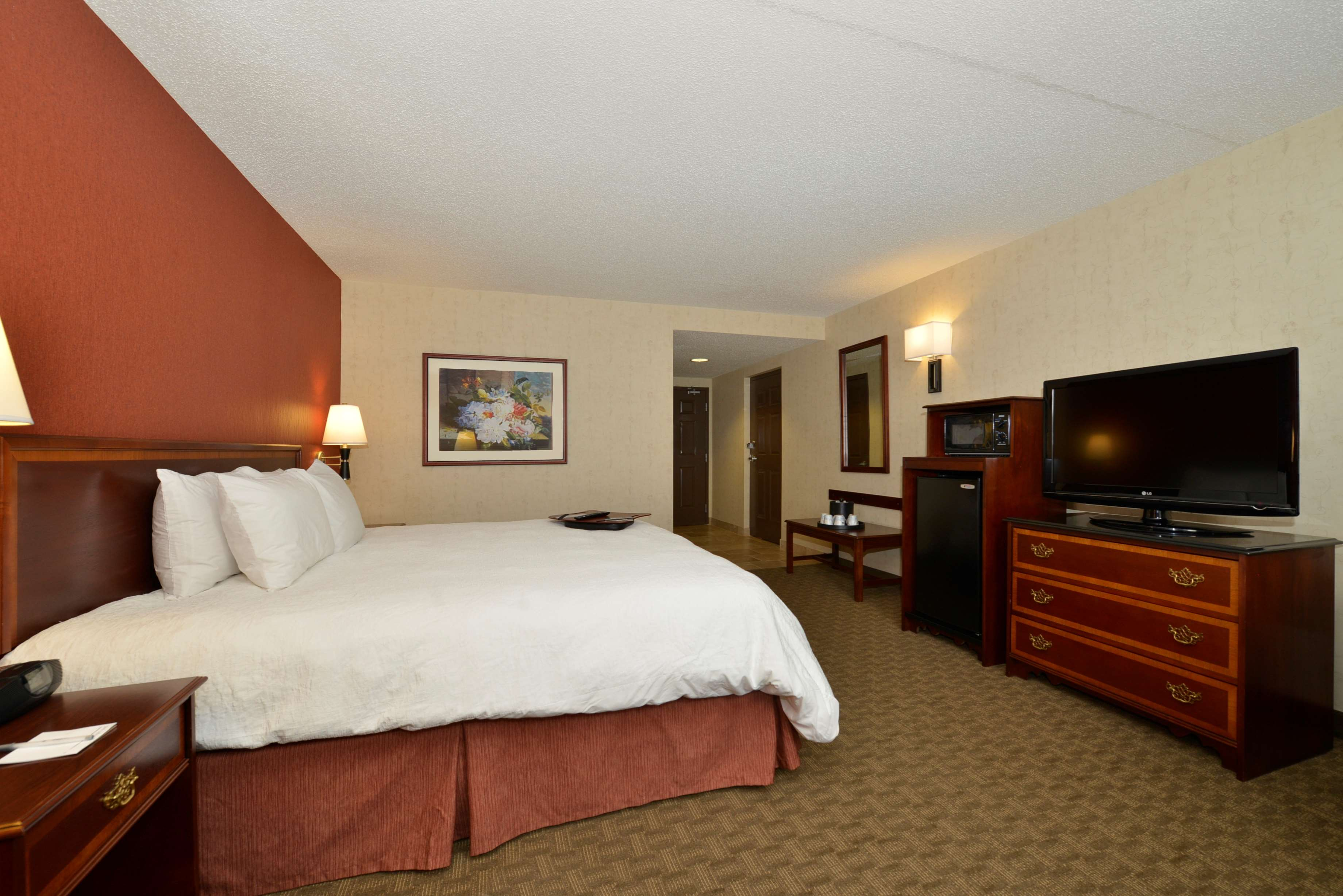 Hampton Inn East Aurora image 37
