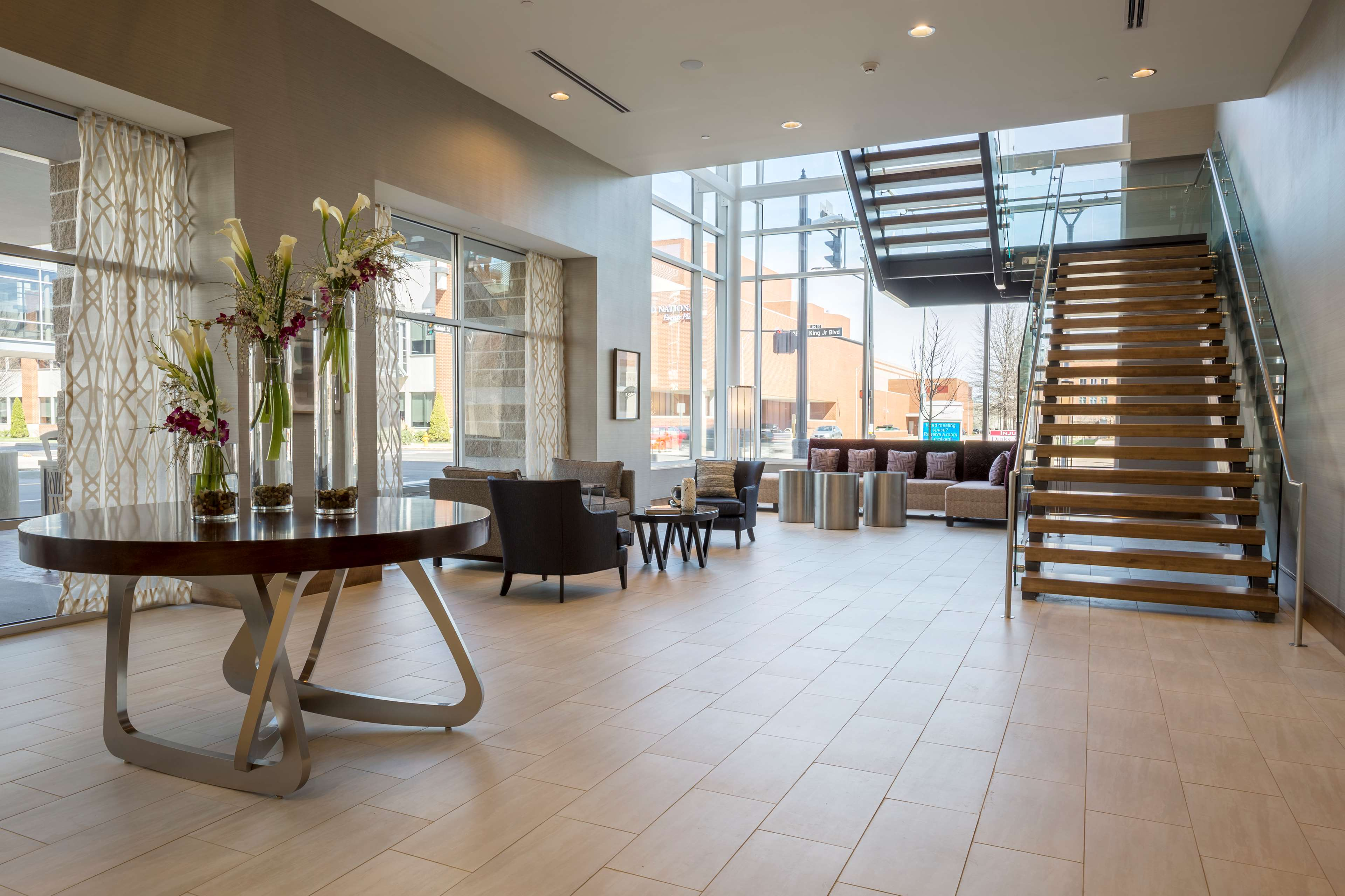 DoubleTree by Hilton Evansville image 9