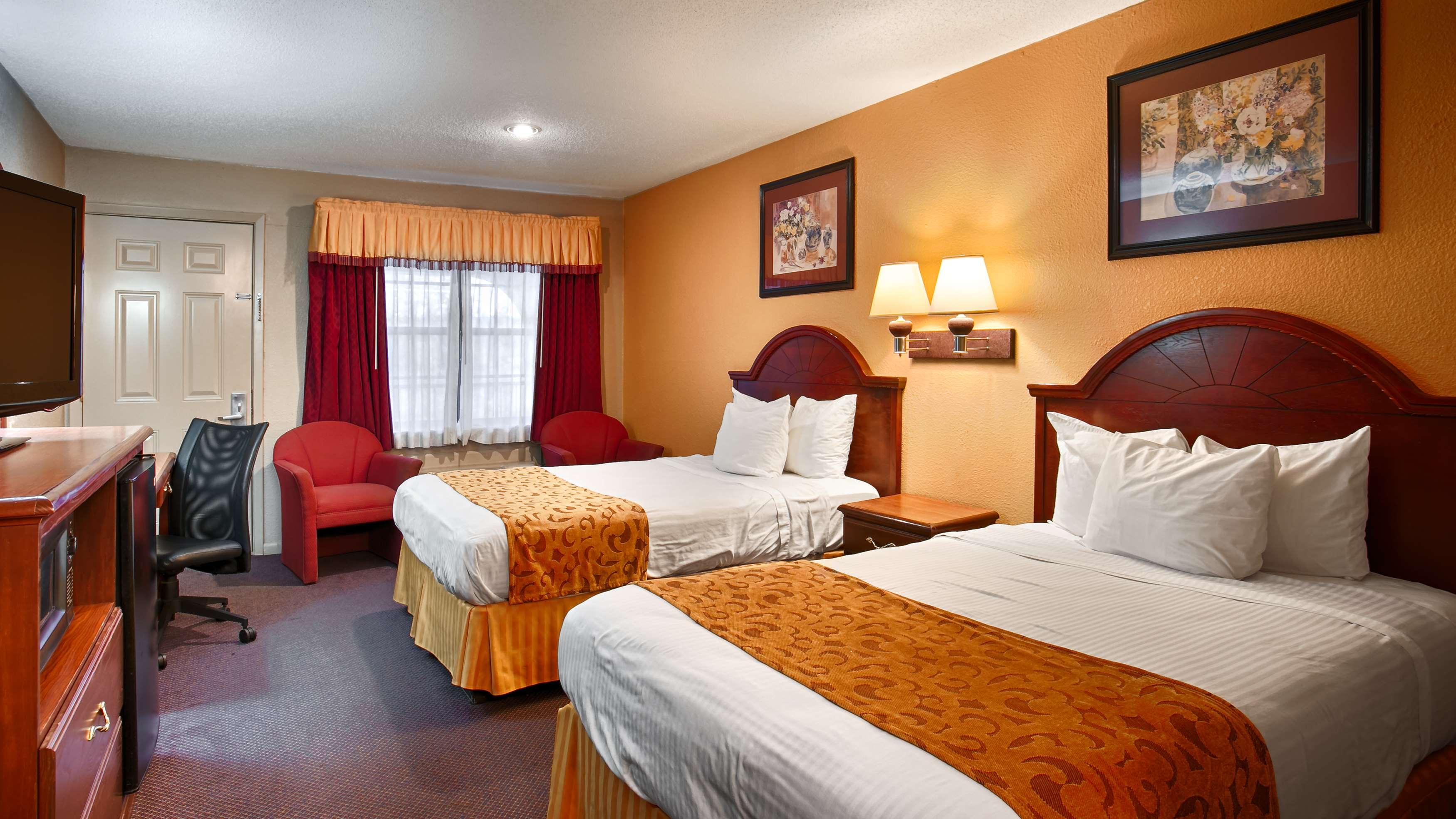Best Western Delhi Inn image 6