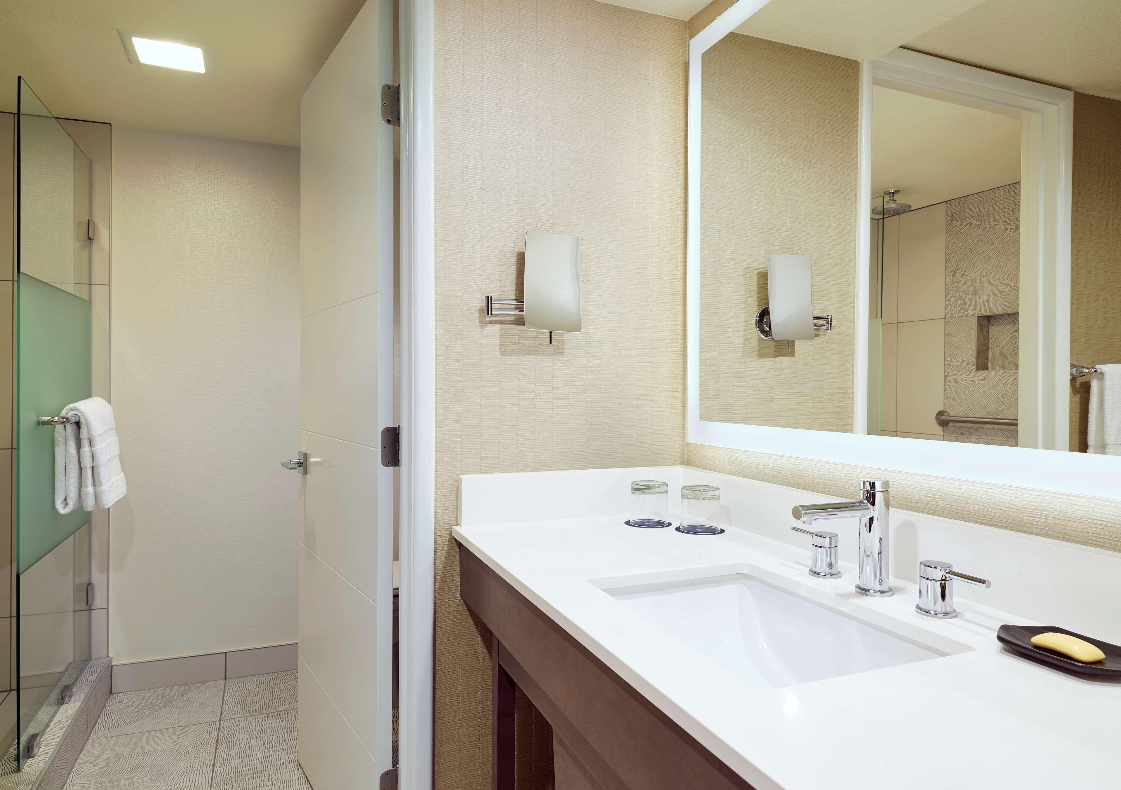 Sheraton Tucson Hotel & Suites image 20