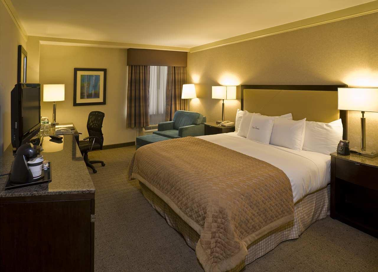 DoubleTree by Hilton Hotel Wilmington image 3