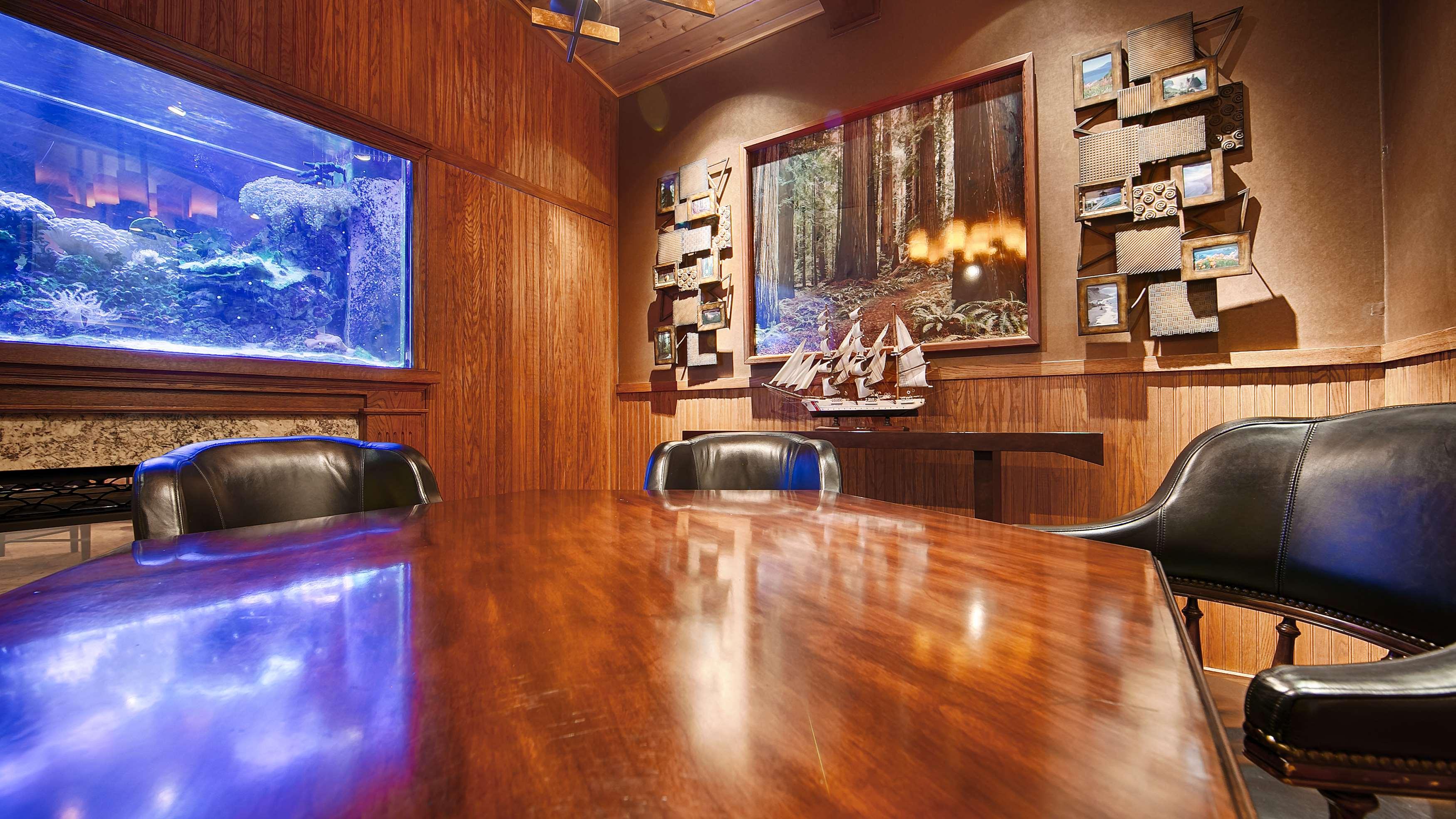 Best Western Plus Humboldt Bay Inn image 11