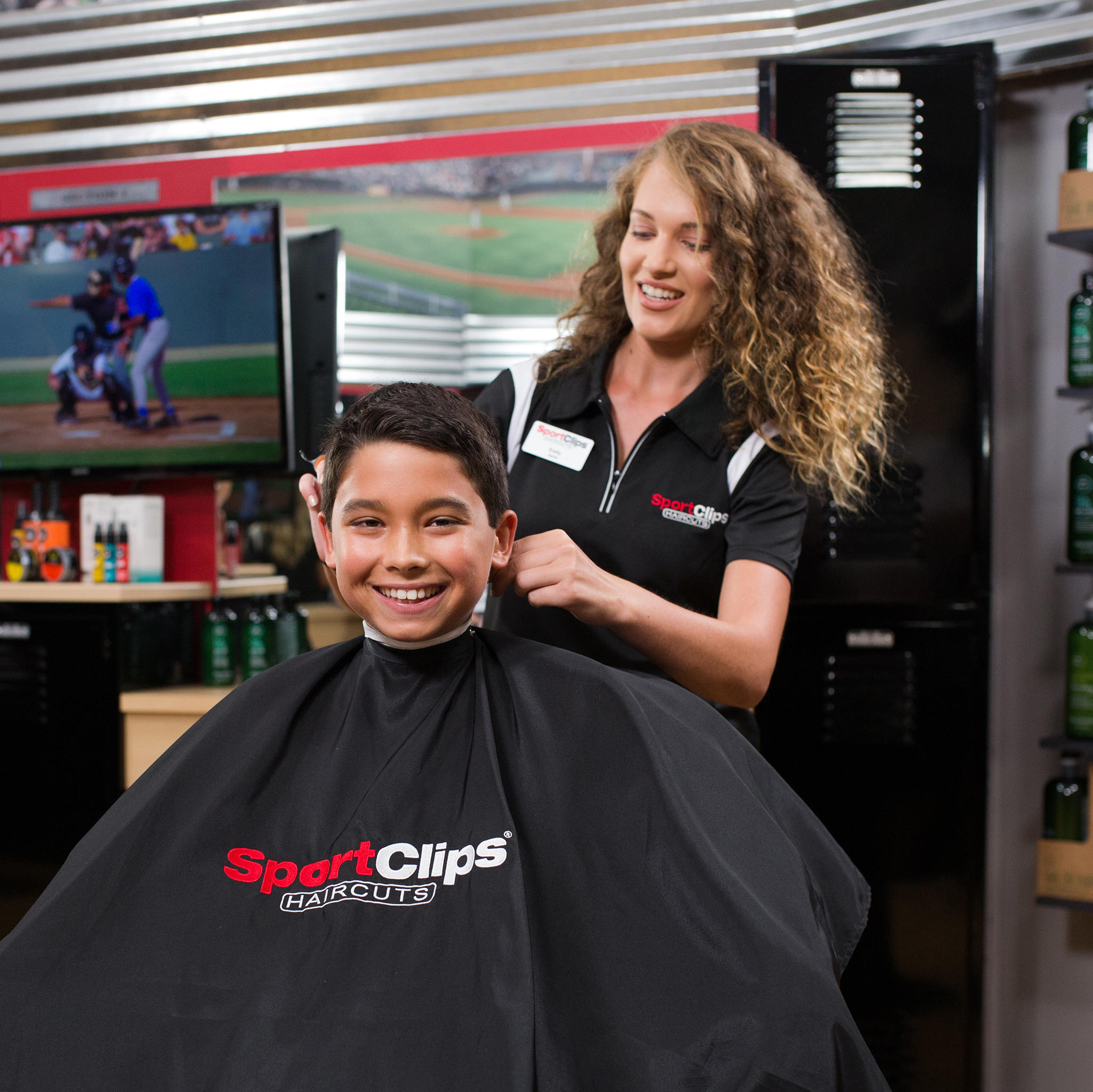 Sport Clips Haircuts of St. Louis - Manchester Commons image 3