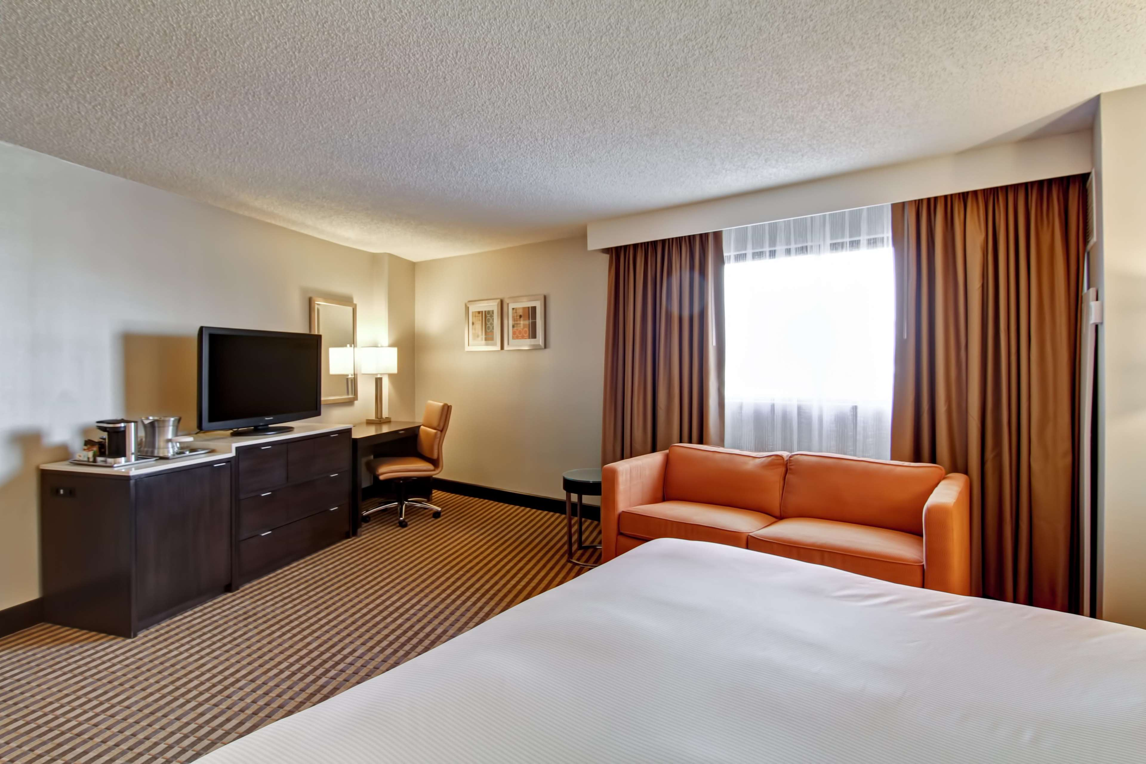 DoubleTree by Hilton Hotel Pleasanton at the Club image 33