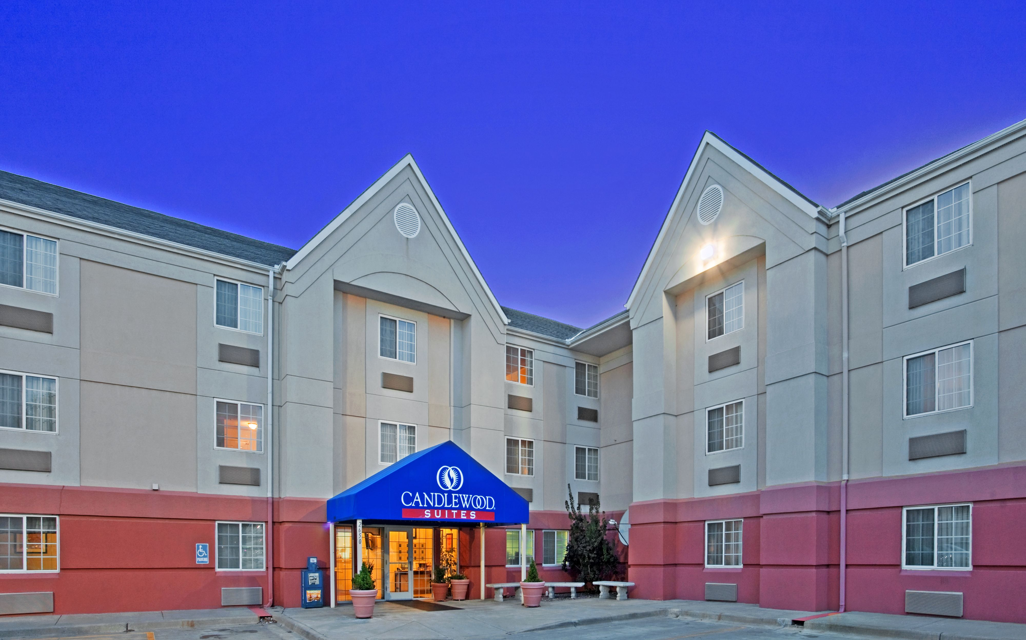 Candlewood Suites Richmond-South image 5