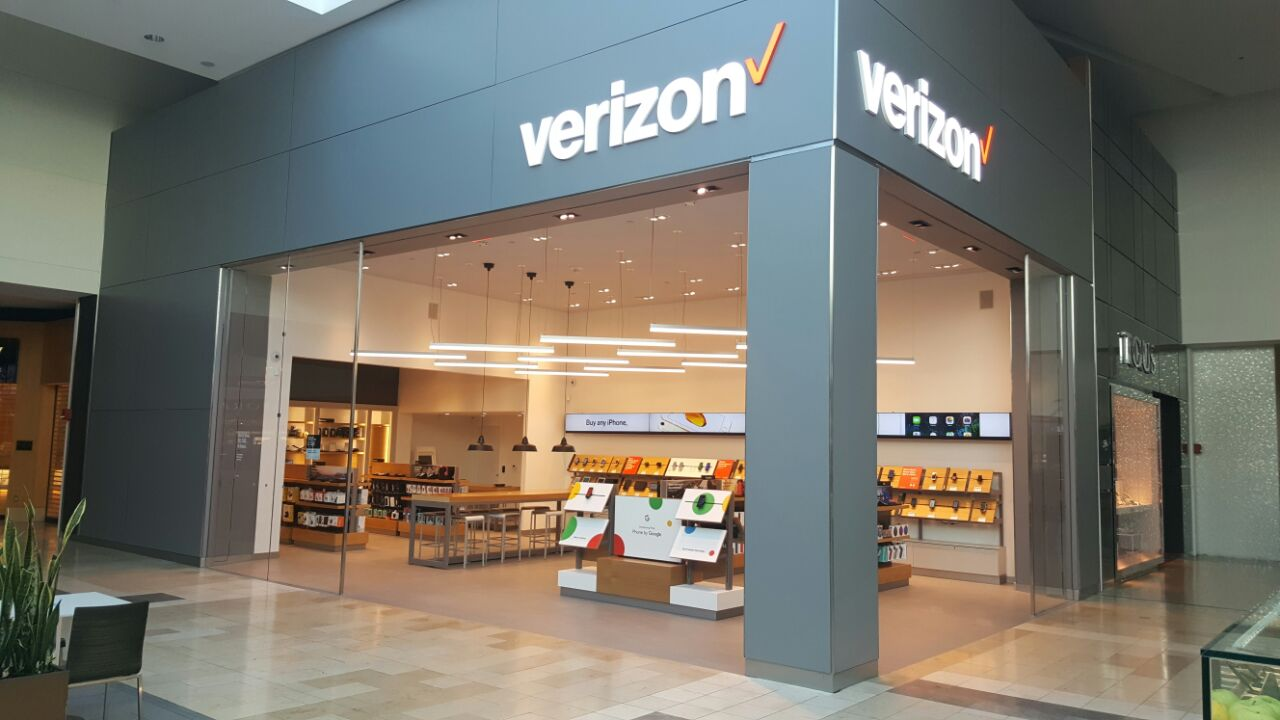 Verizon At 1 Garden State Plz Paramus Nj On Fave