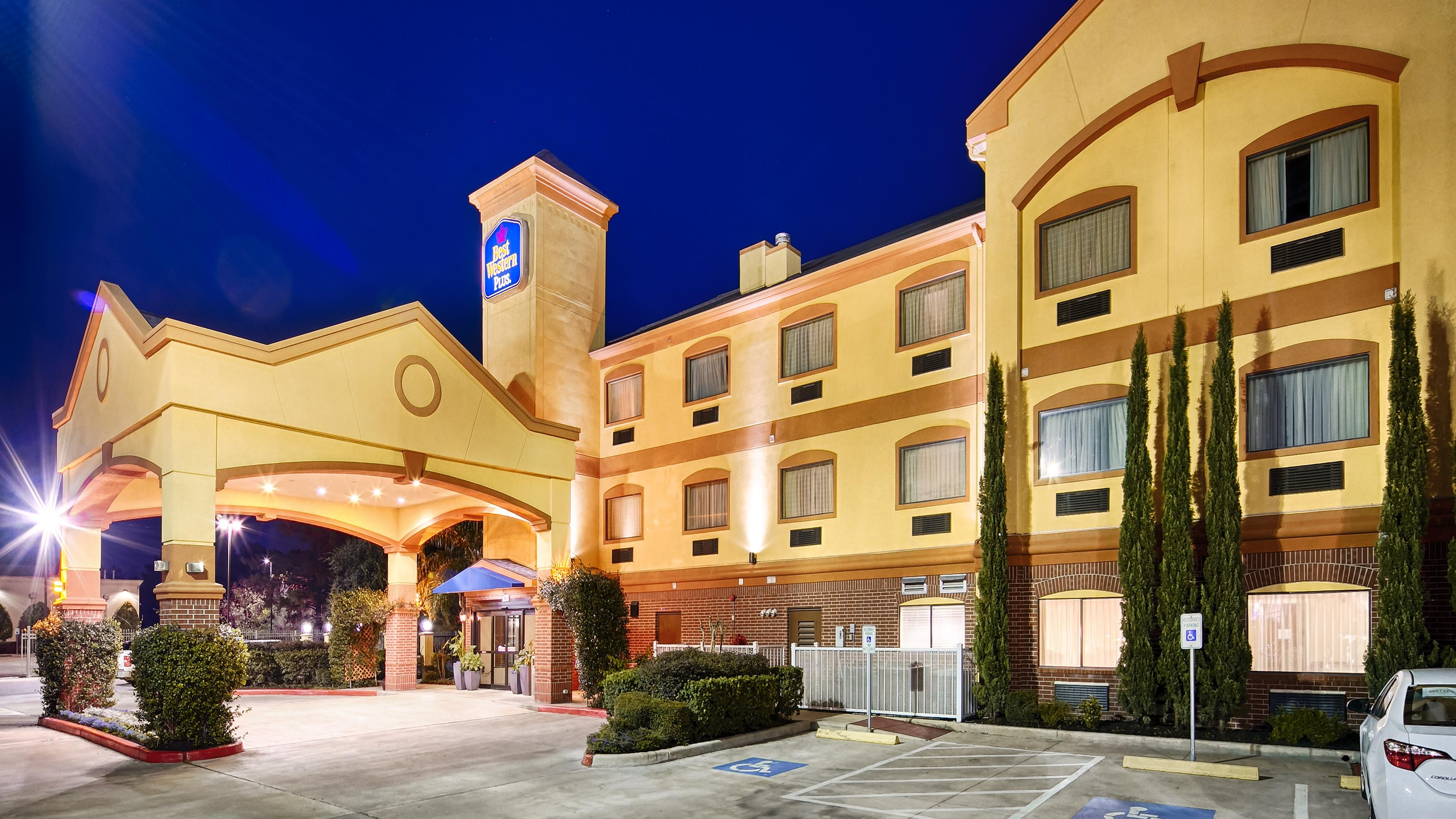 Best western plus sam houston inn suites in houston tx for Pictures plus houston