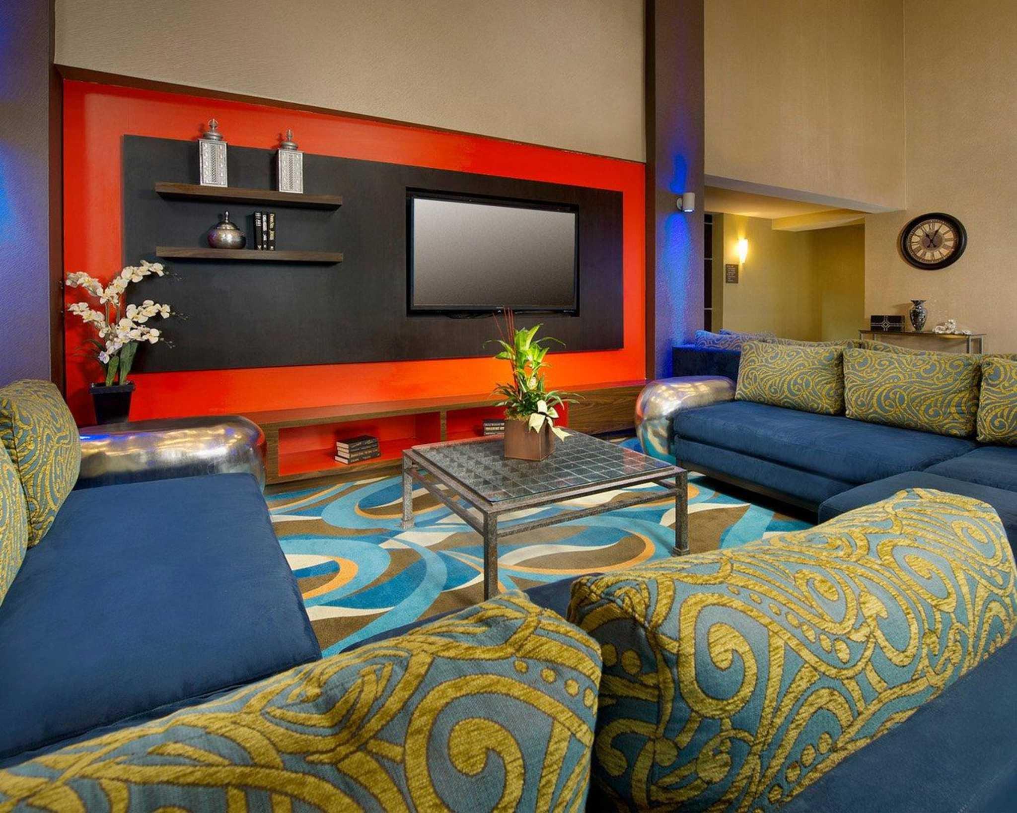 Comfort Suites Waco North image 5