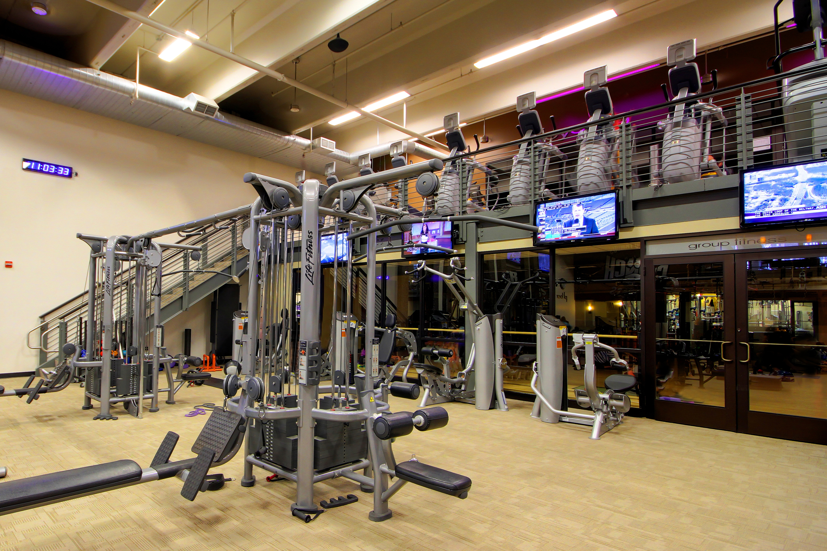 Crunch Fitness - Chevy Chase image 5