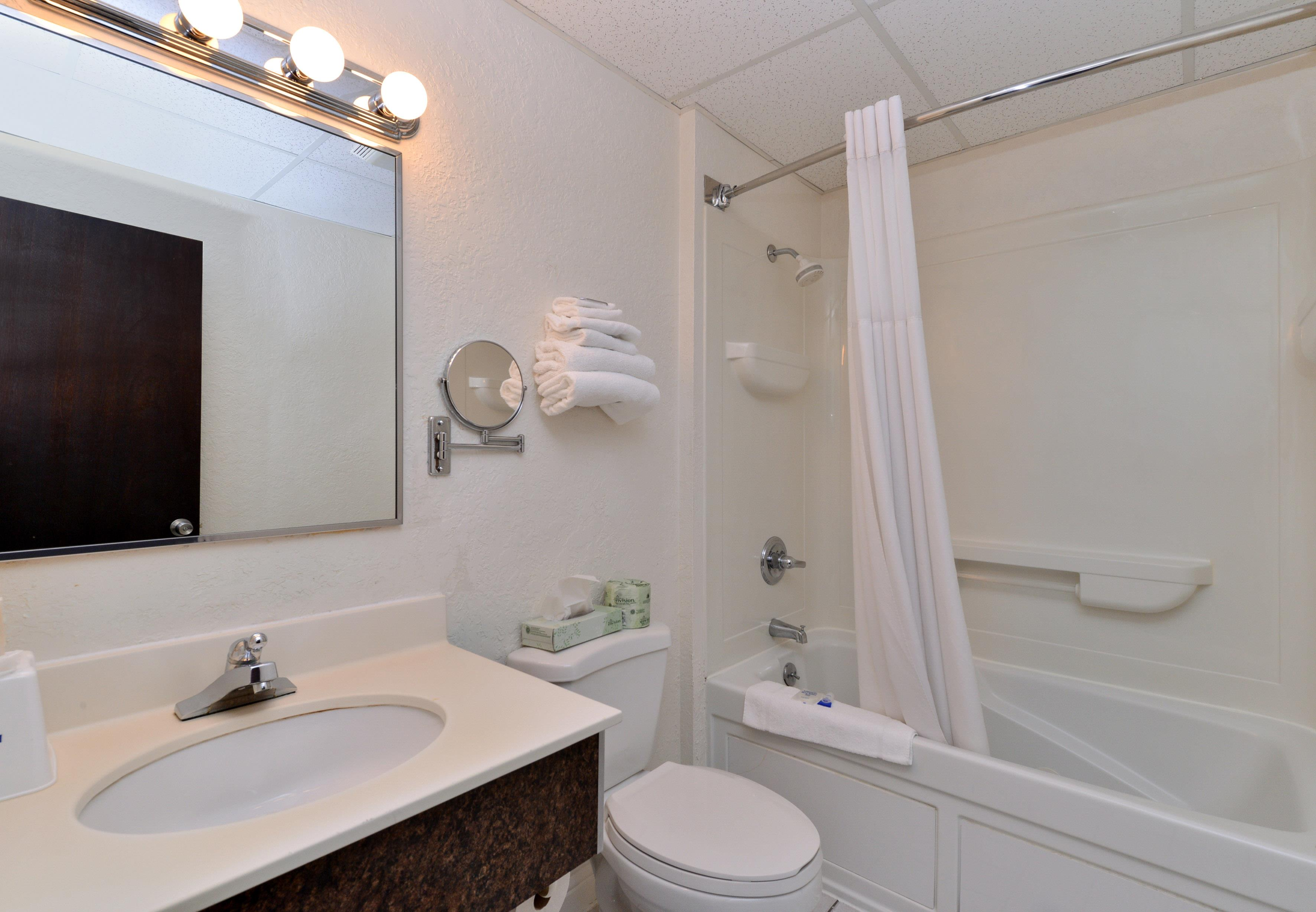 Americas Best Value Inn - New Paltz image 11