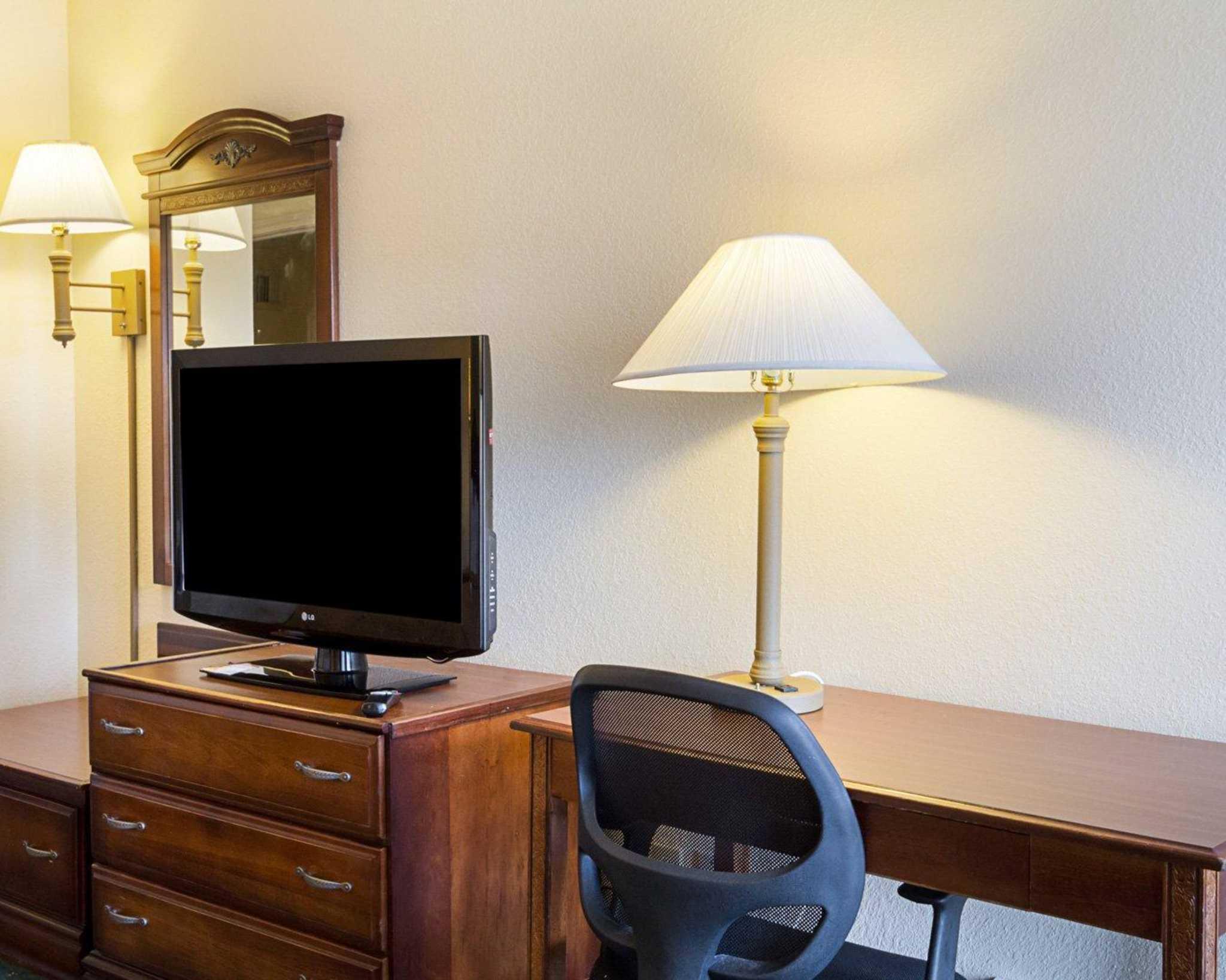 Quality Inn & Suites Southwest image 27