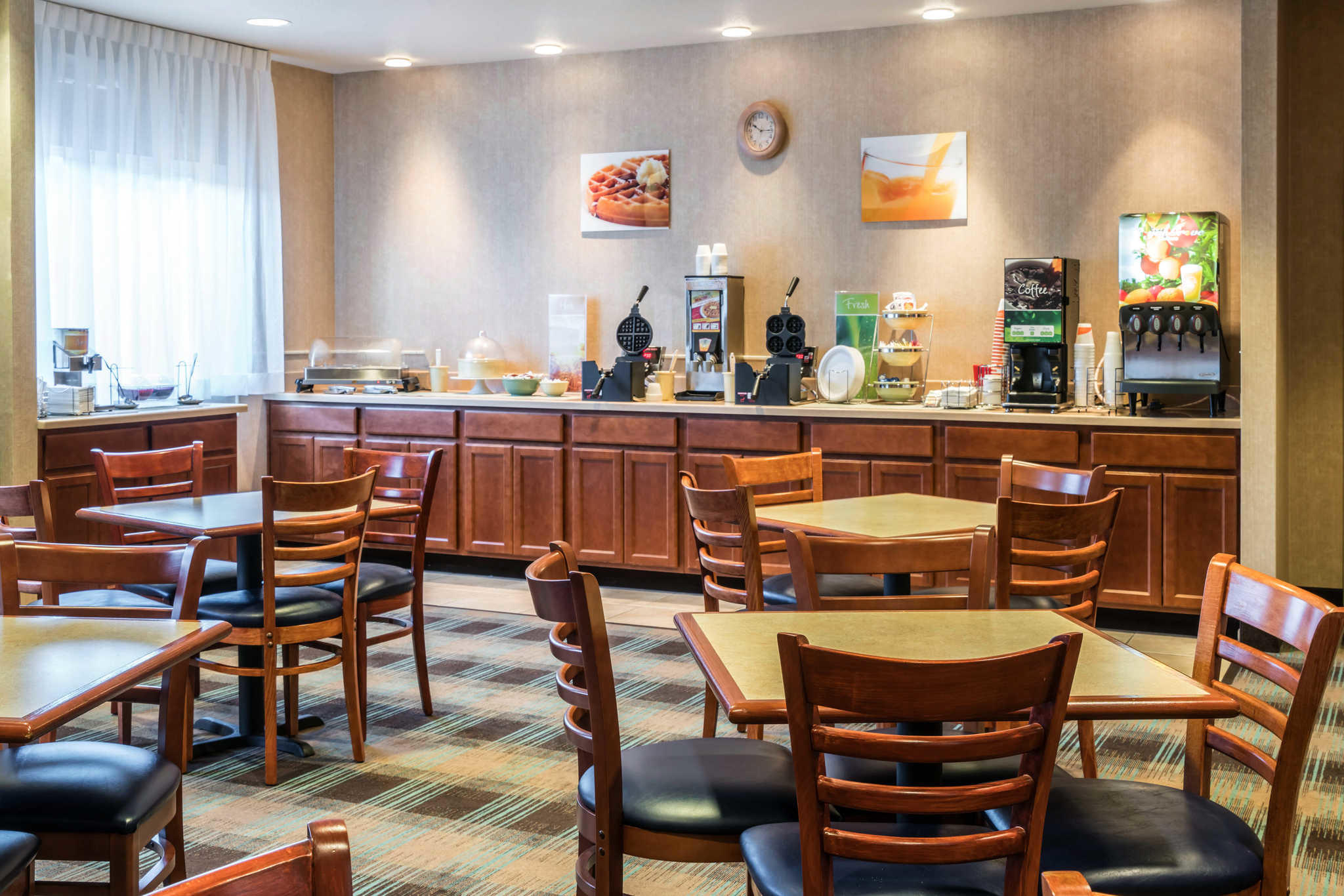 Quality Inn & Suites at Olympic National Park image 32