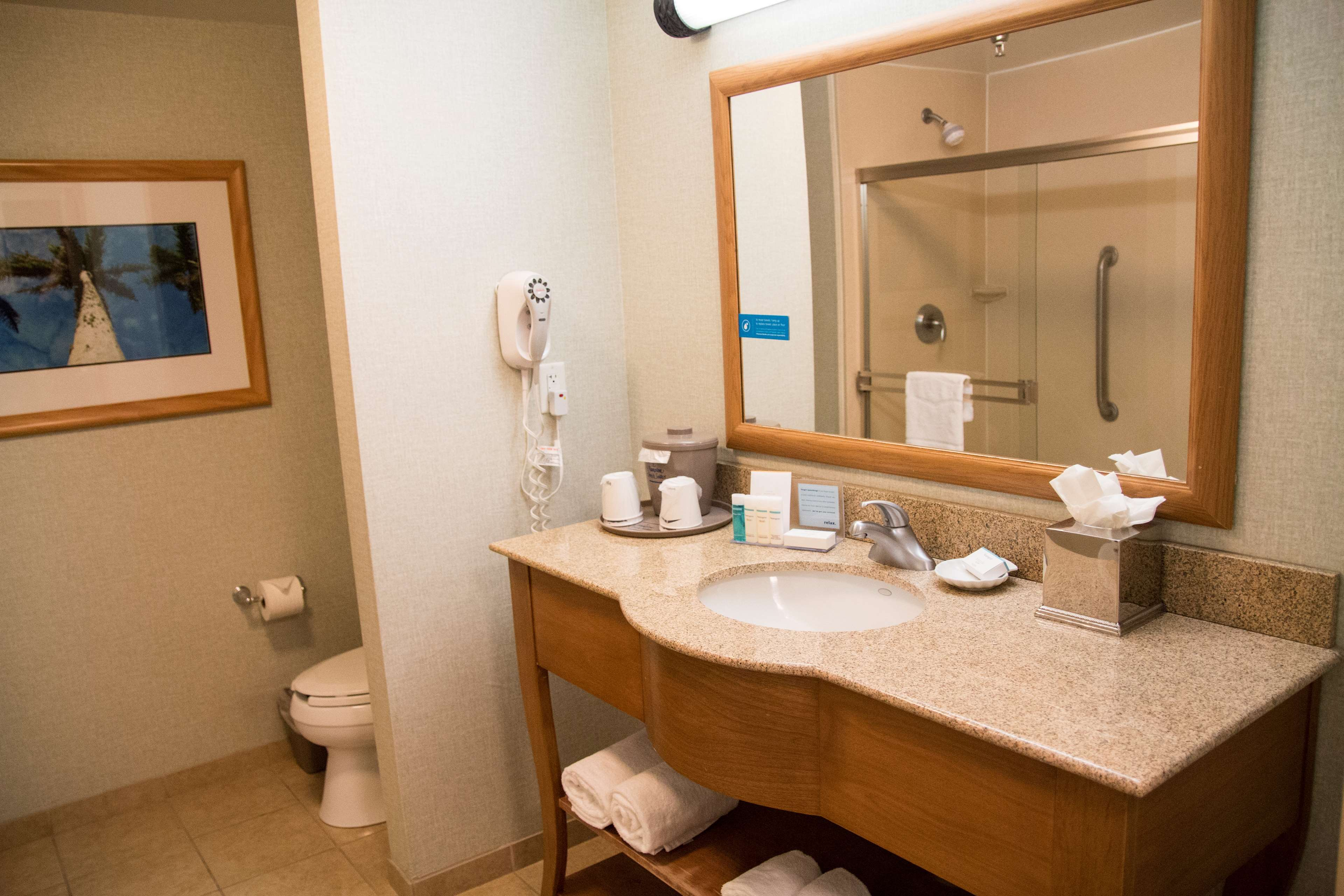 Hampton Inn & Suites Madera image 21