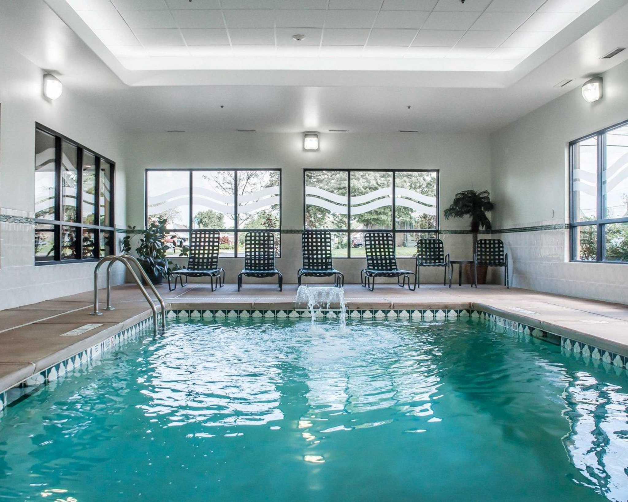 Comfort Inn Near Walden Galleria Mall image 19
