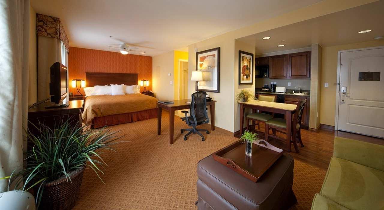 Homewood Suites by Hilton Denver International Airport image 1