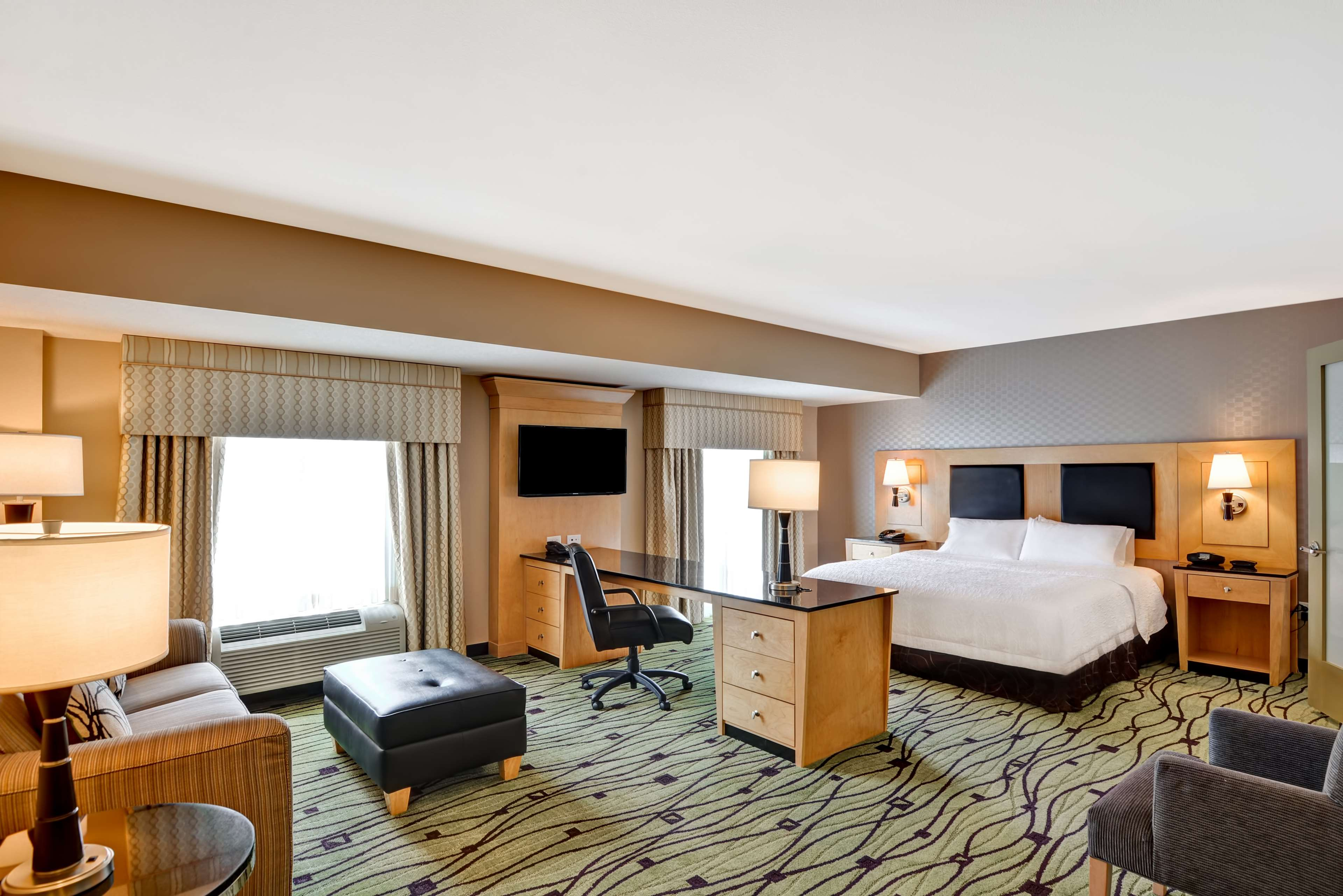 Hampton Inn & Suites Raleigh/Crabtree Valley image 24