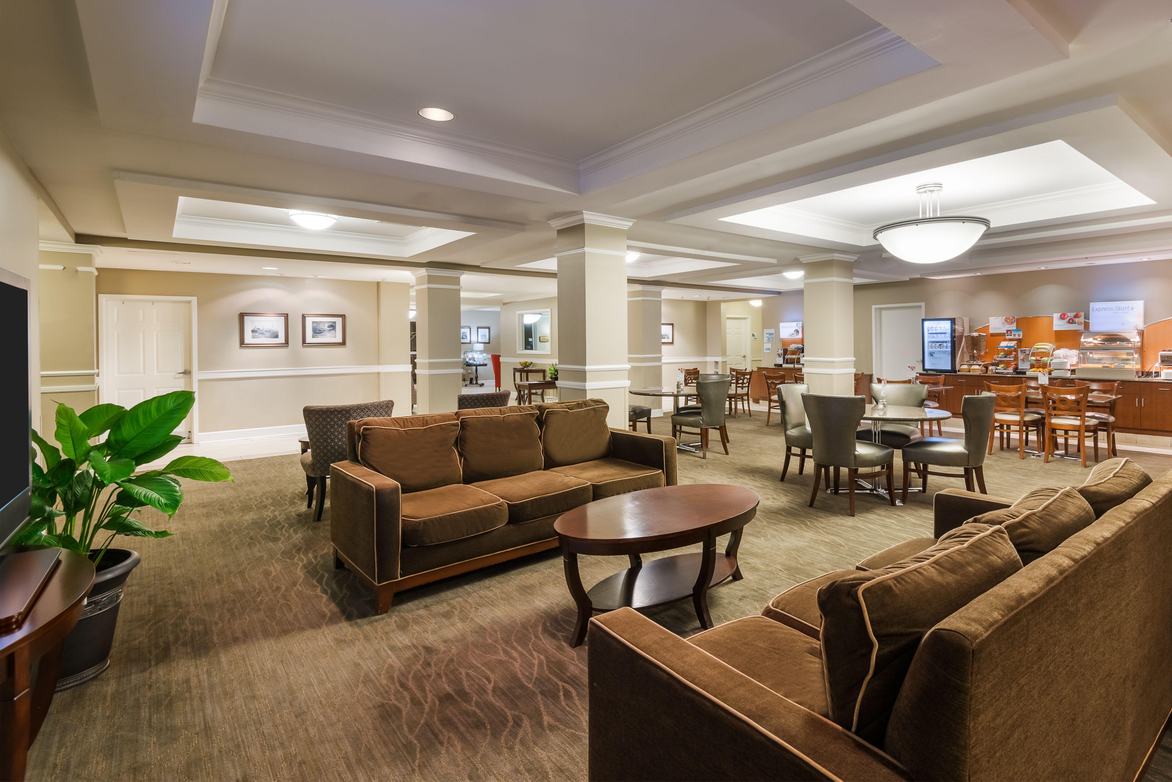 Holiday Inn Express & Suites New Iberia-Avery Island image 4