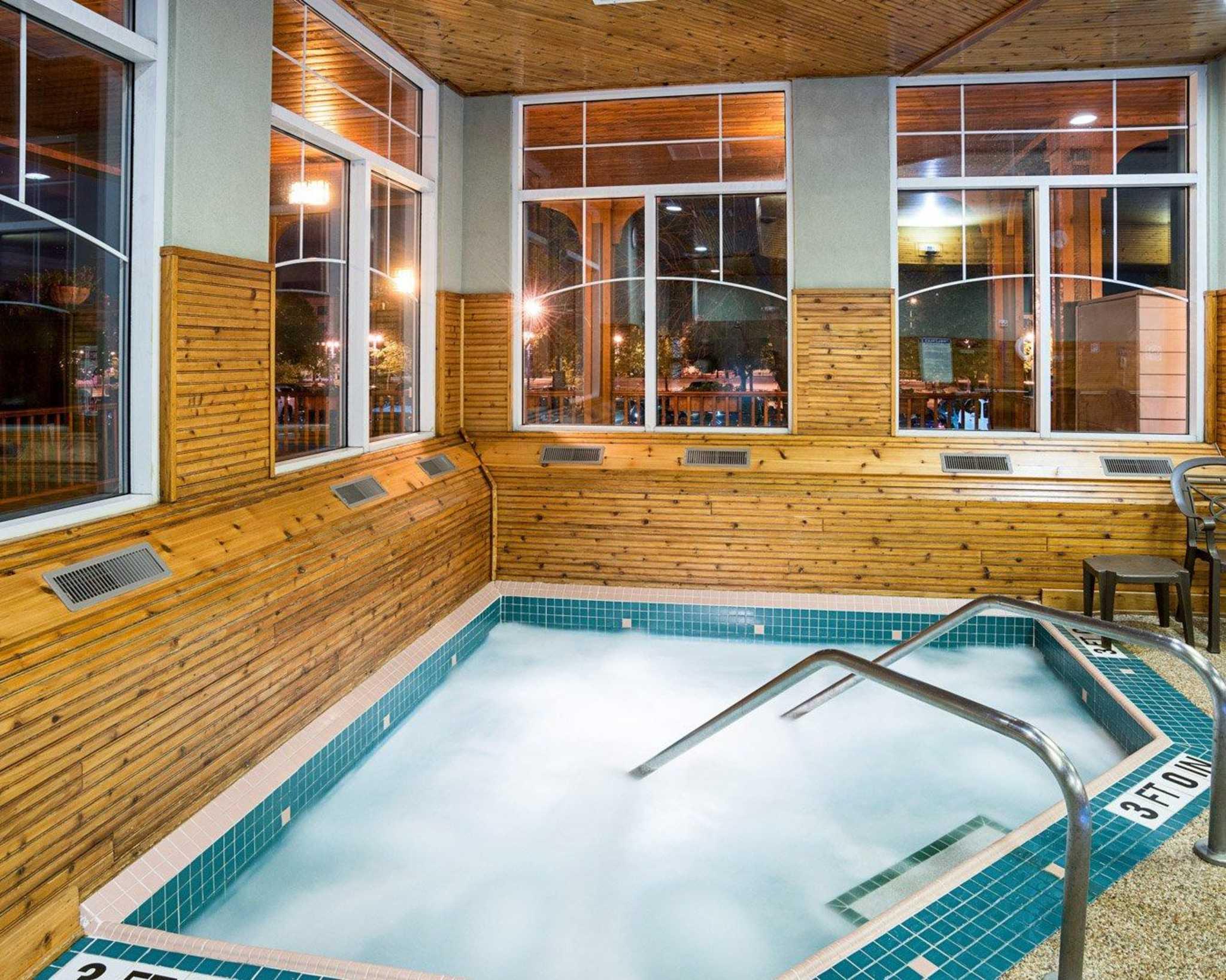 Comfort Suites Canal Park image 28