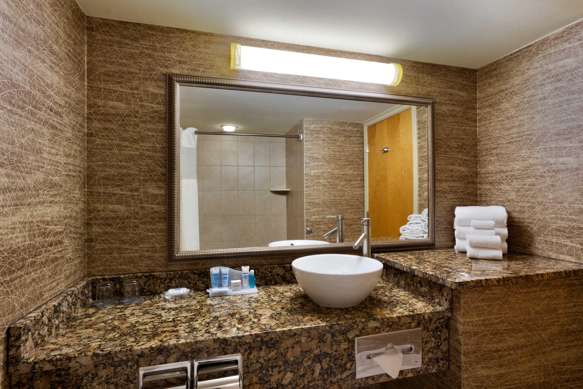 Clarion Hotel image 5