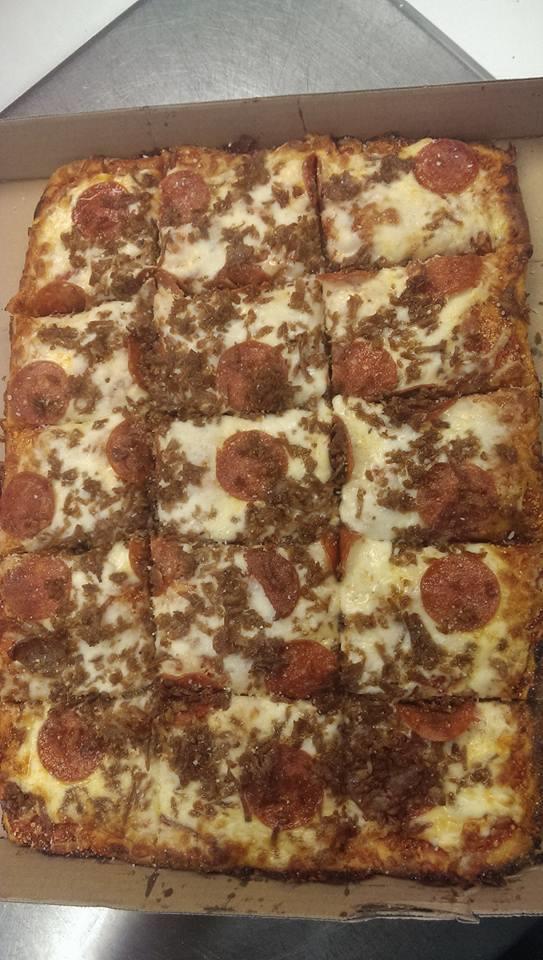 Tonti's Pizza image 3